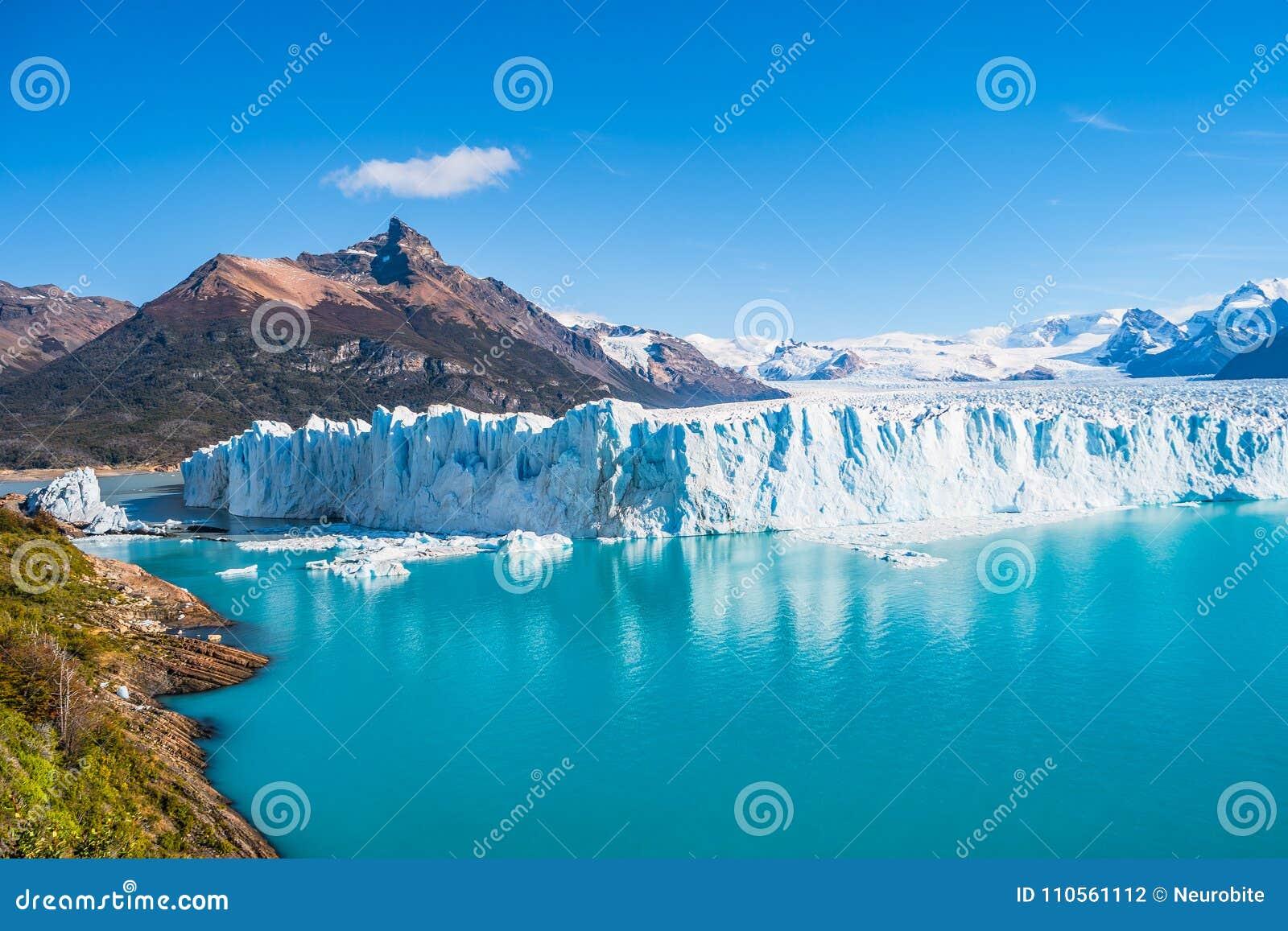 Panorama del glaciar Perito Moreno en Patagonia
