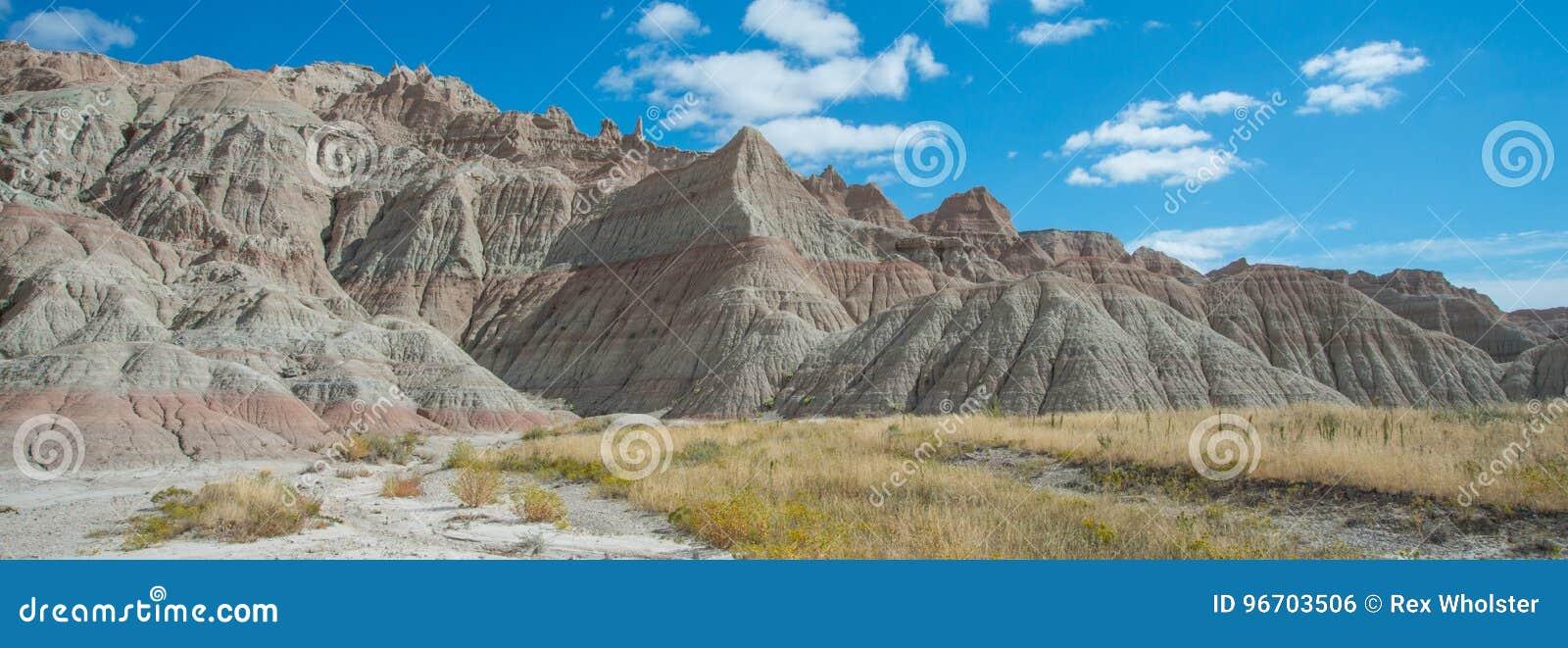 Panorama des formations au parc national de bad-lands
