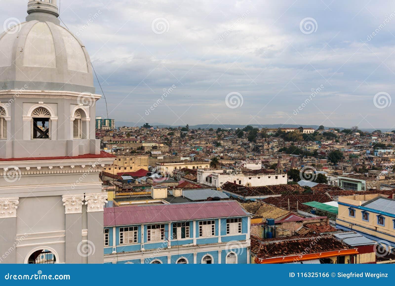 Panorama des Stadtzentrums mit alten Häusern Santiago de Cuba, Kuba