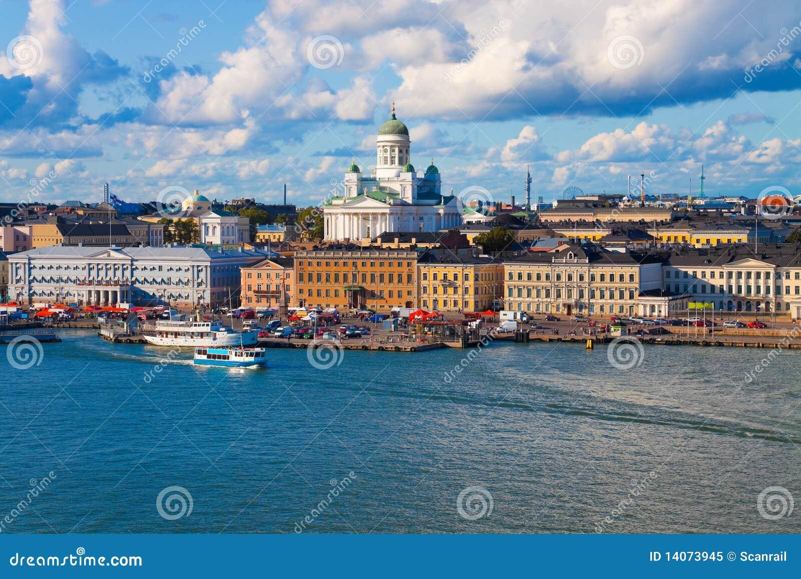 Panorama di estate di helsinki finlandia immagine stock for Capitale finlandese