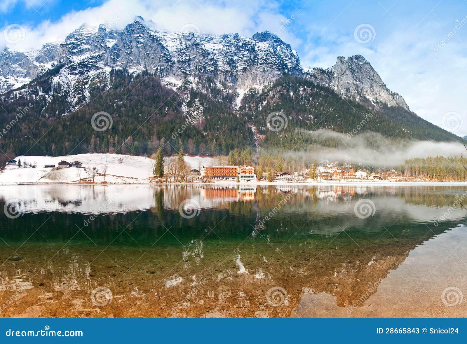 Panorama di paesaggio di inverno