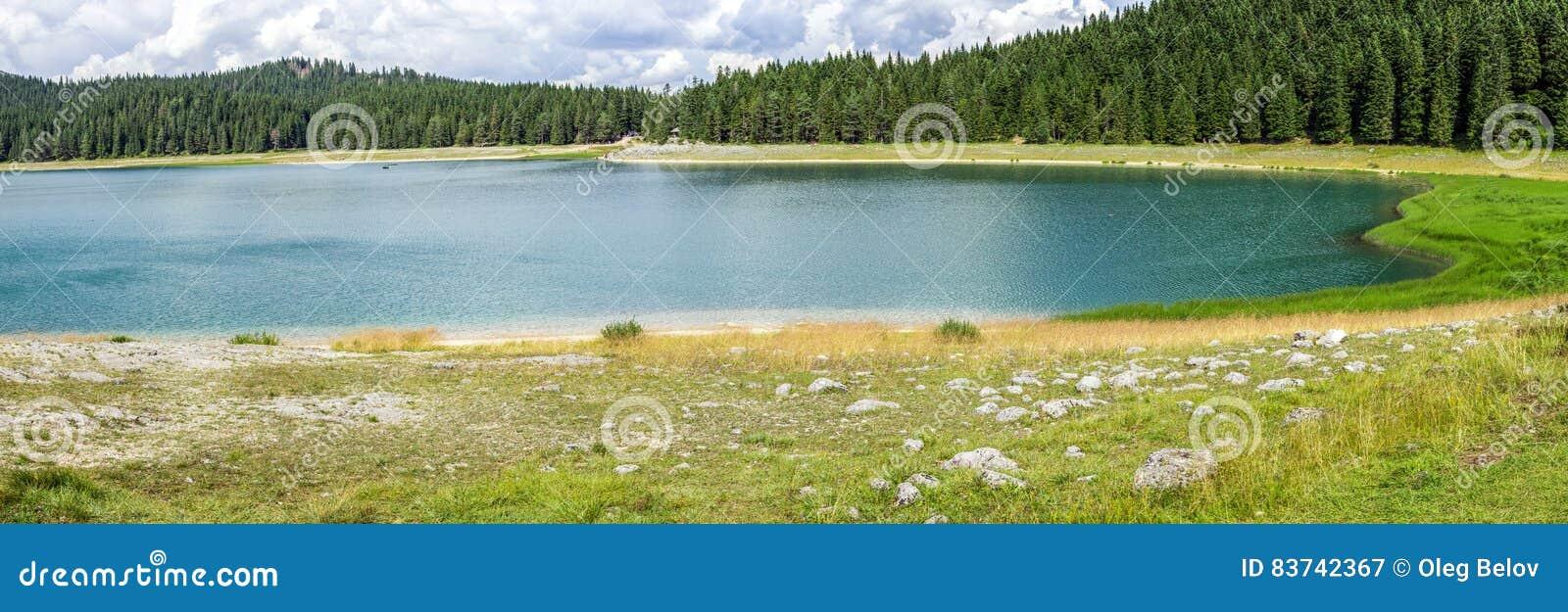 Panorama du jezero noir de Crno de lac en parc national de Durmitor, Monténégro