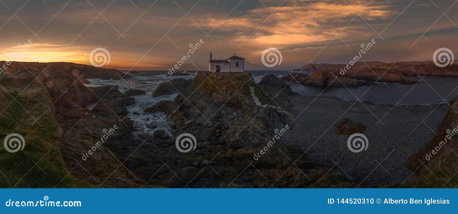 Panorama eines Einsiedlers im Meer