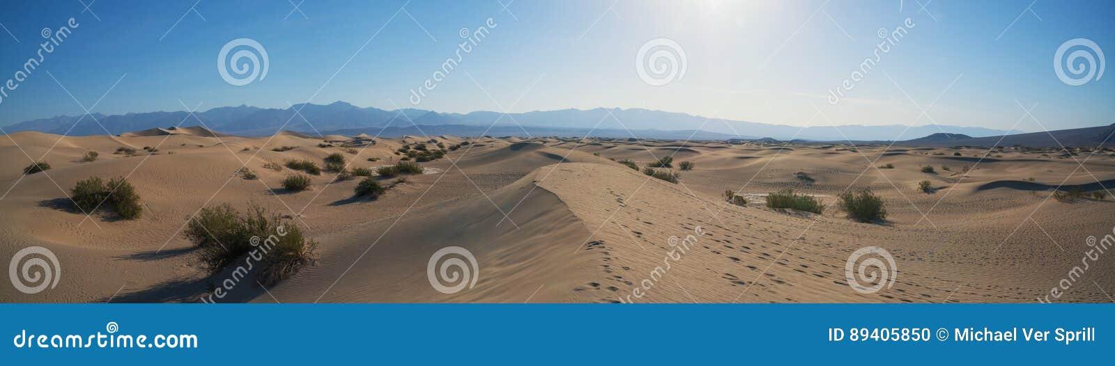 Panorama liso das dunas de areia do Mesquite