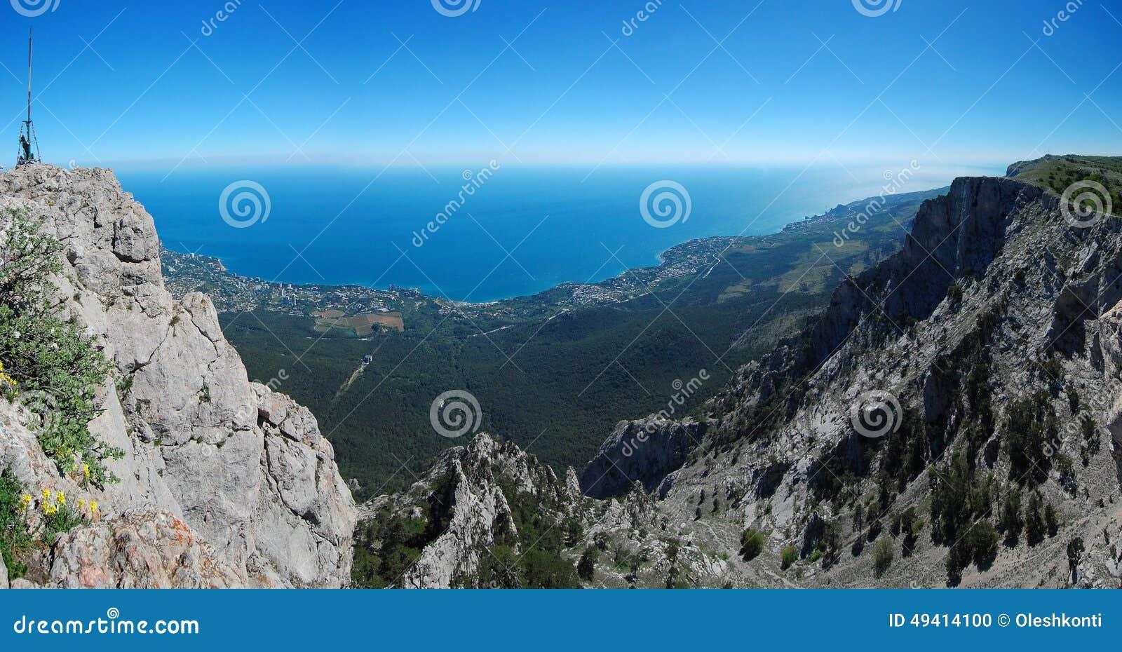 Download Panorama mit Ah-Petri krim stockfoto. Bild von höhe, gehäuse - 49414100
