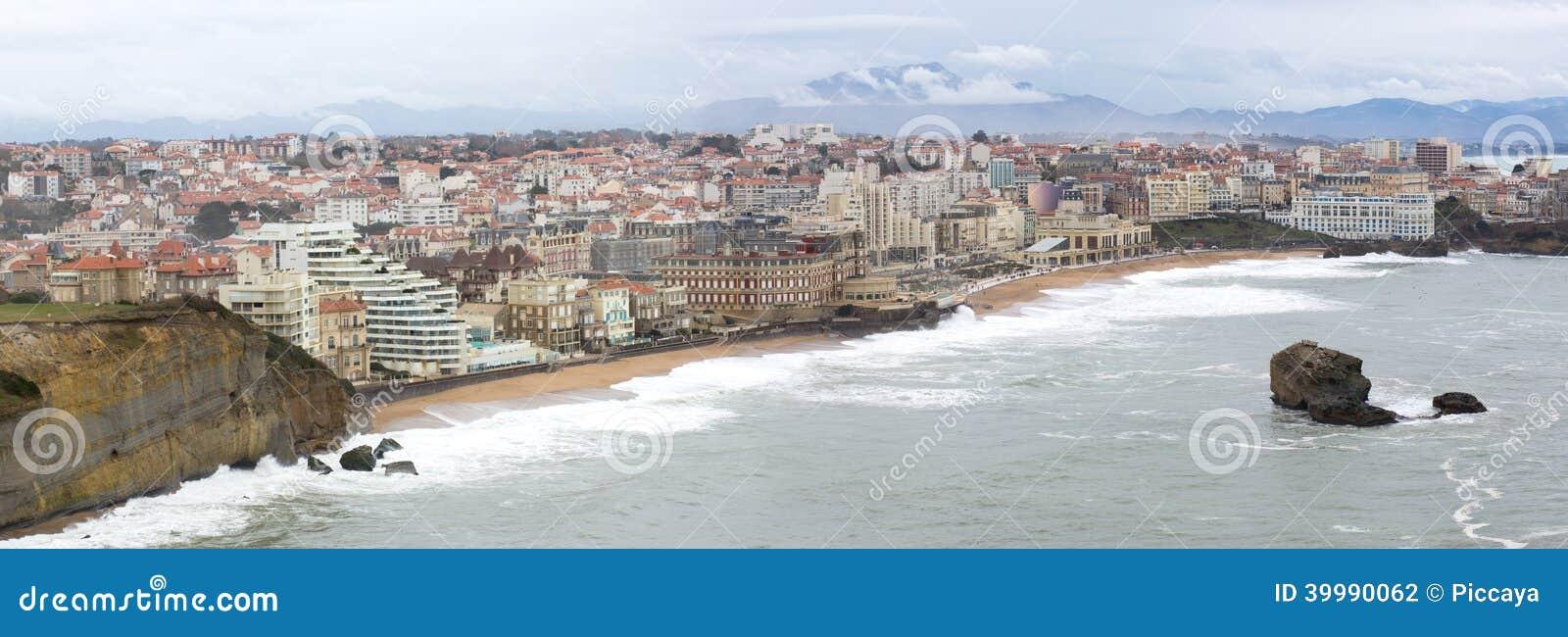 Panorama nad miasteczkiem Biarritz, Francja