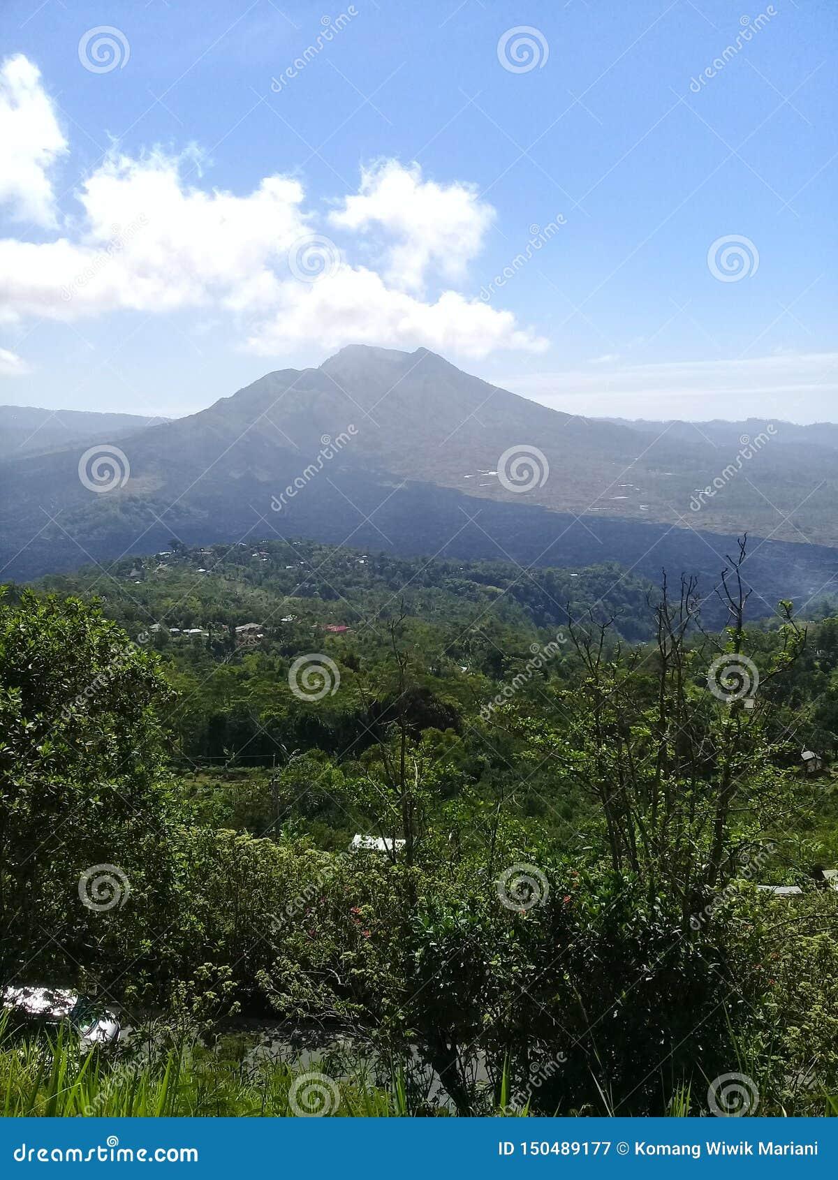 Panorama natural del kintamani del batur del soporte
