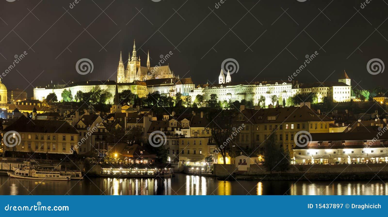 Panorama Prag-(Prag) nachts