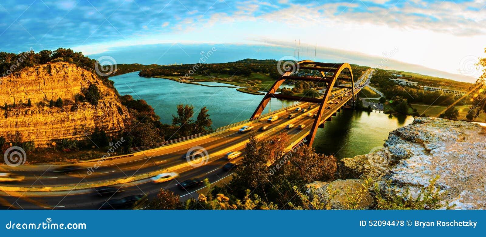 Panorama- solnedgång för bro 360 eller Pennybacker bro