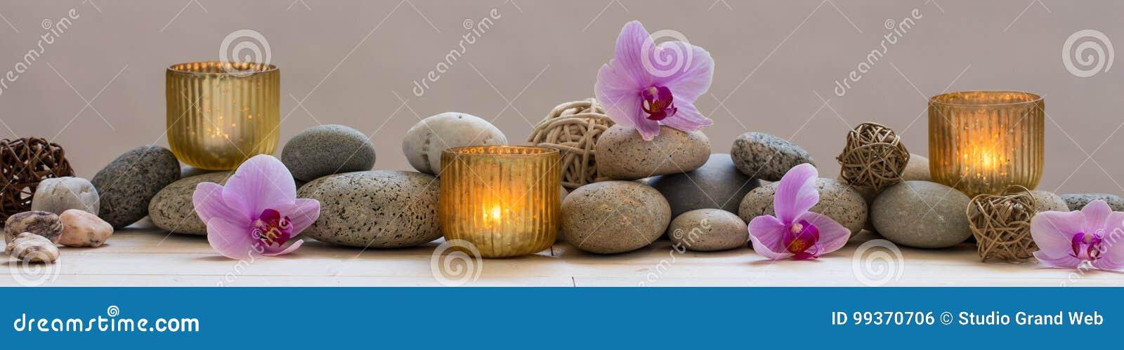 Panorama- stilleben för harmoni i brunnsort, massage eller yoga
