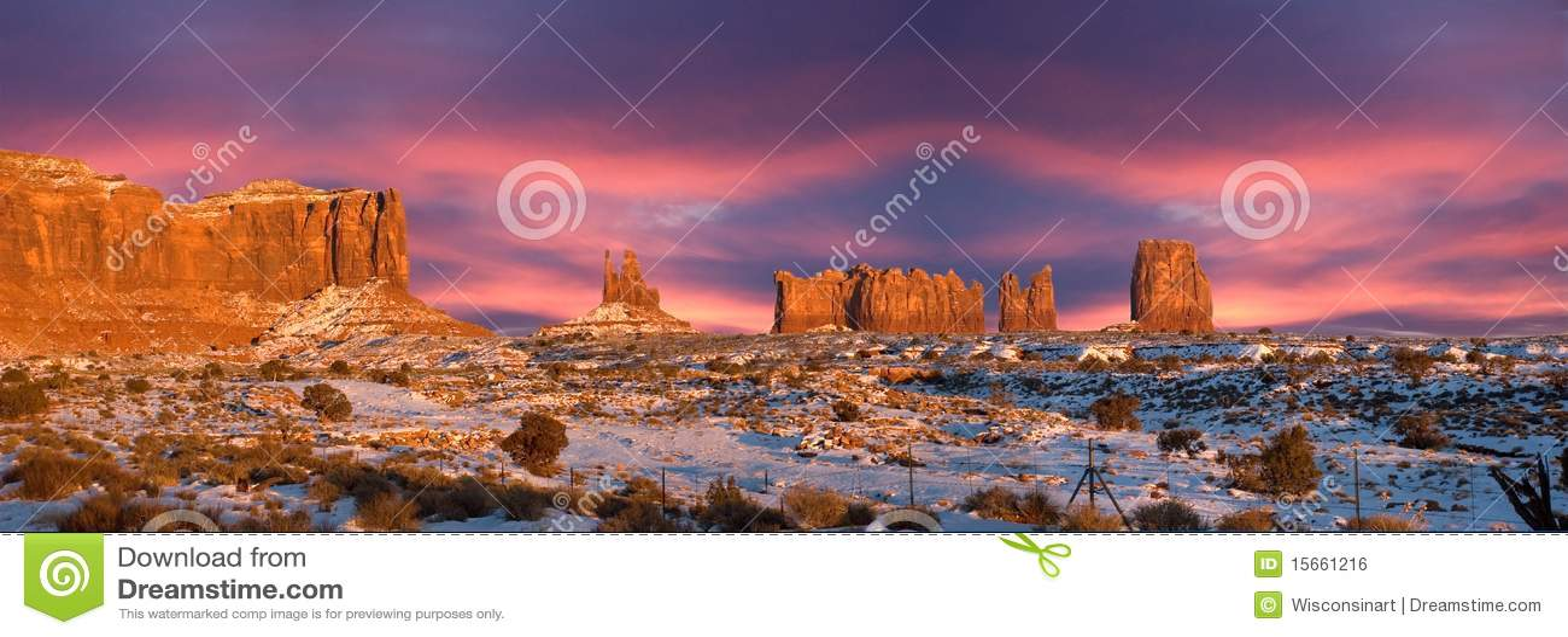 Panorama tribal del parque del indio de Navajo del valle del monumento