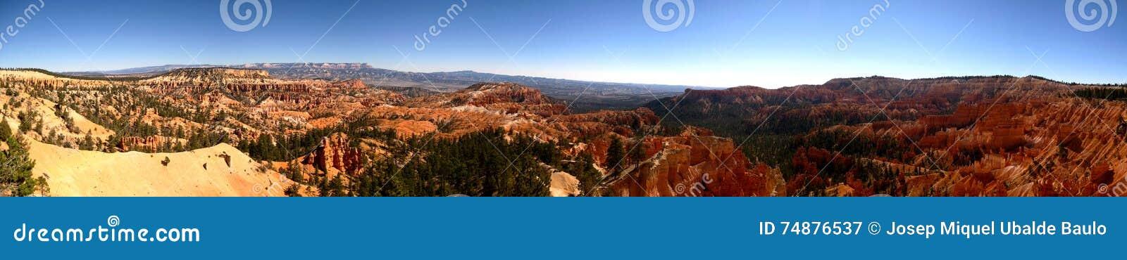 Panorama ultra largo do ponto do nascer do sol da garganta de Bryce