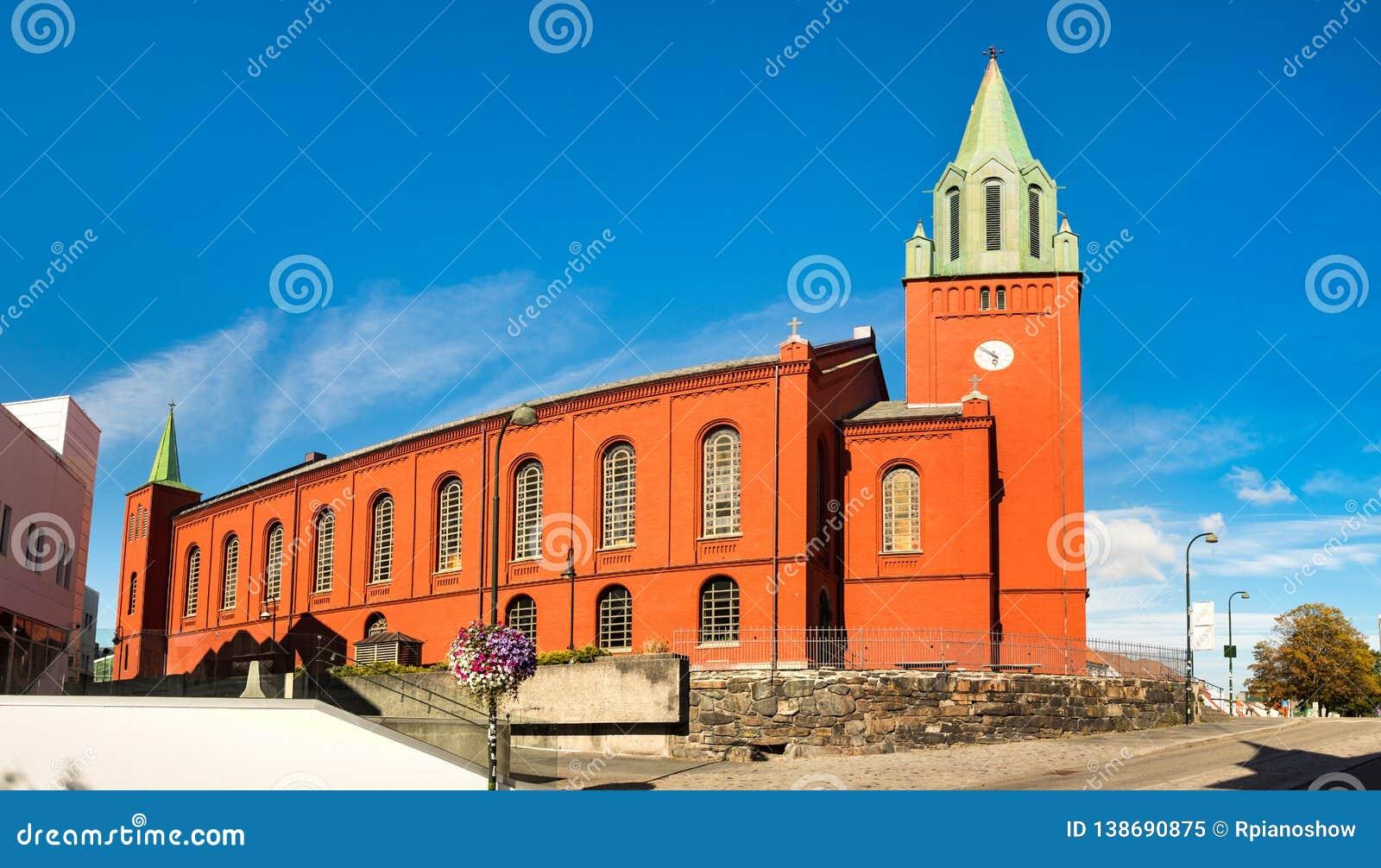 Panorama van de kerk van Heilige Petri, of 'Petrikirken' in de stad van Stavanger