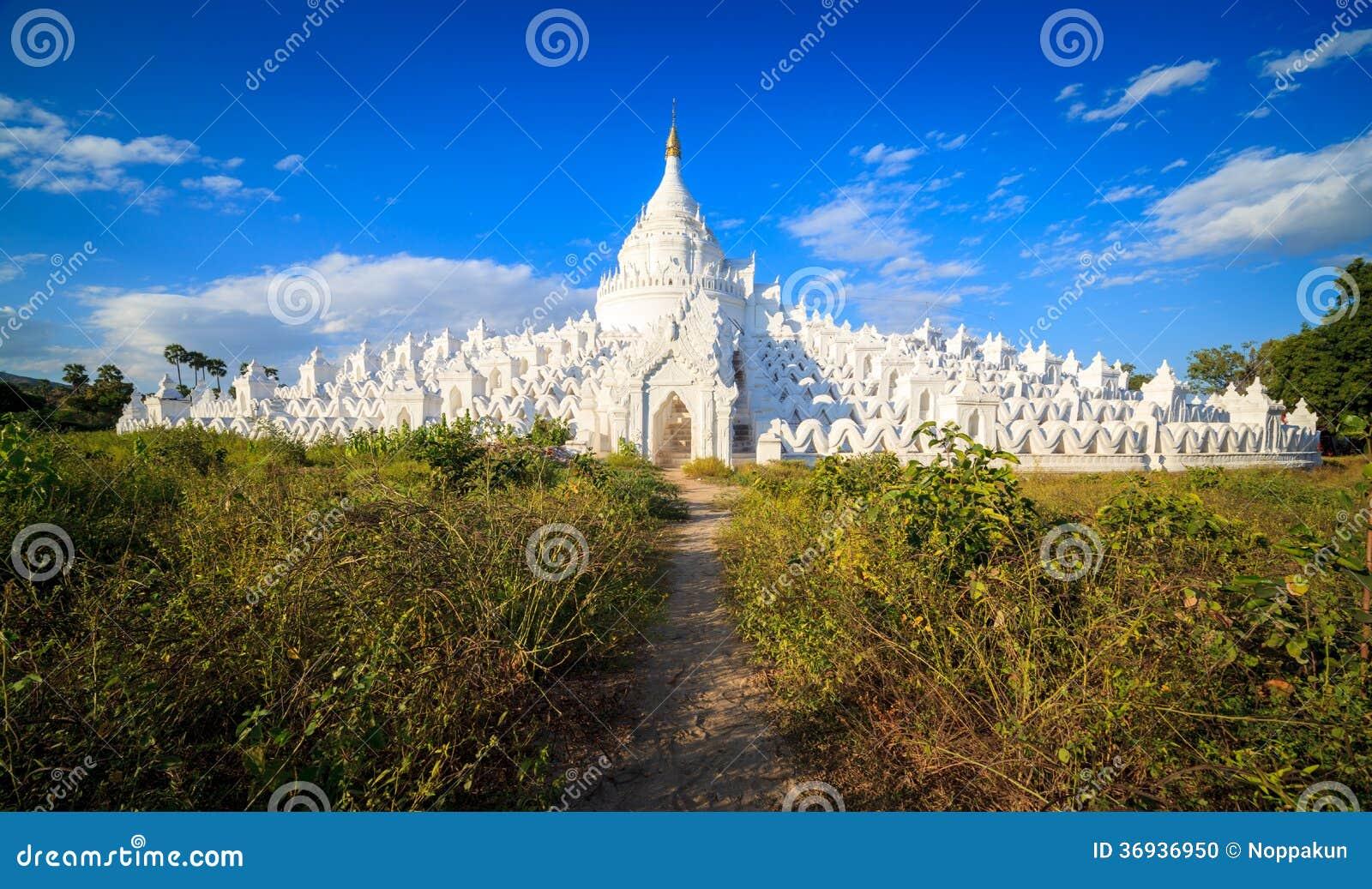 Panorama van Hsinbyume-pagode, Mingun, Mandalay, Myanmar