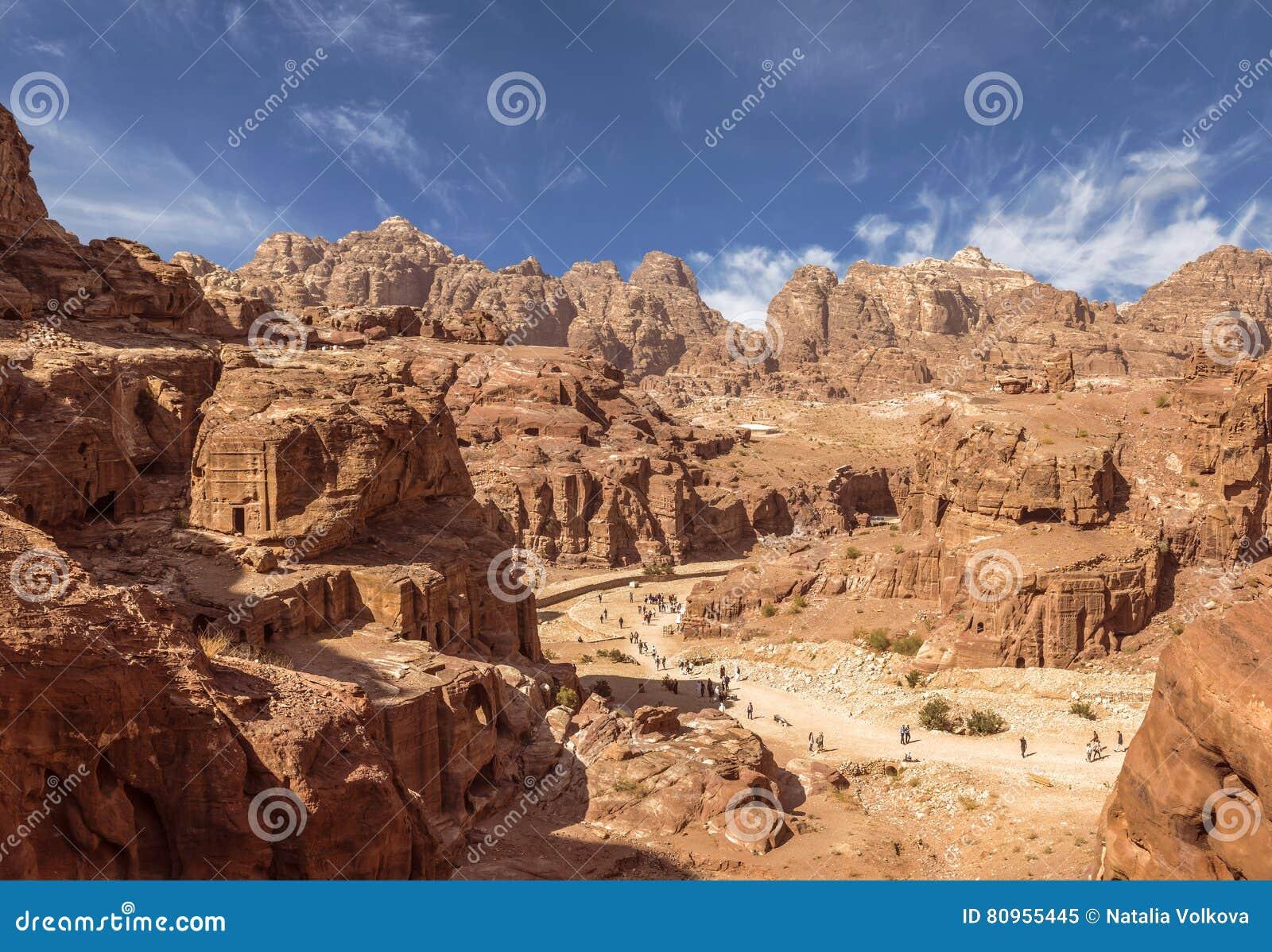 panorama von petra in jordanien alte stadt hauptstadt des edomites und sp ter das kapital vom. Black Bedroom Furniture Sets. Home Design Ideas