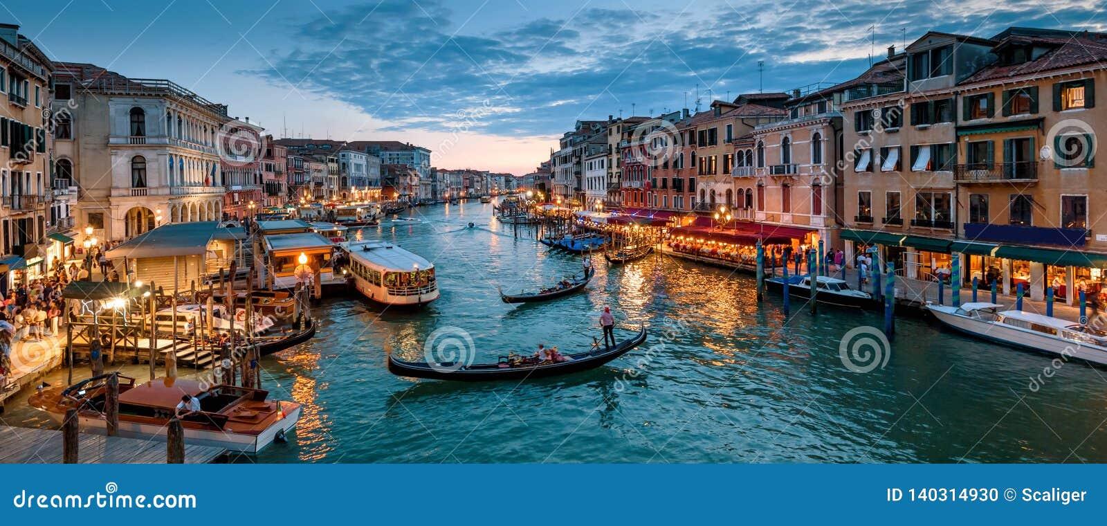 Panorama Wenecja przy nocą, Włochy