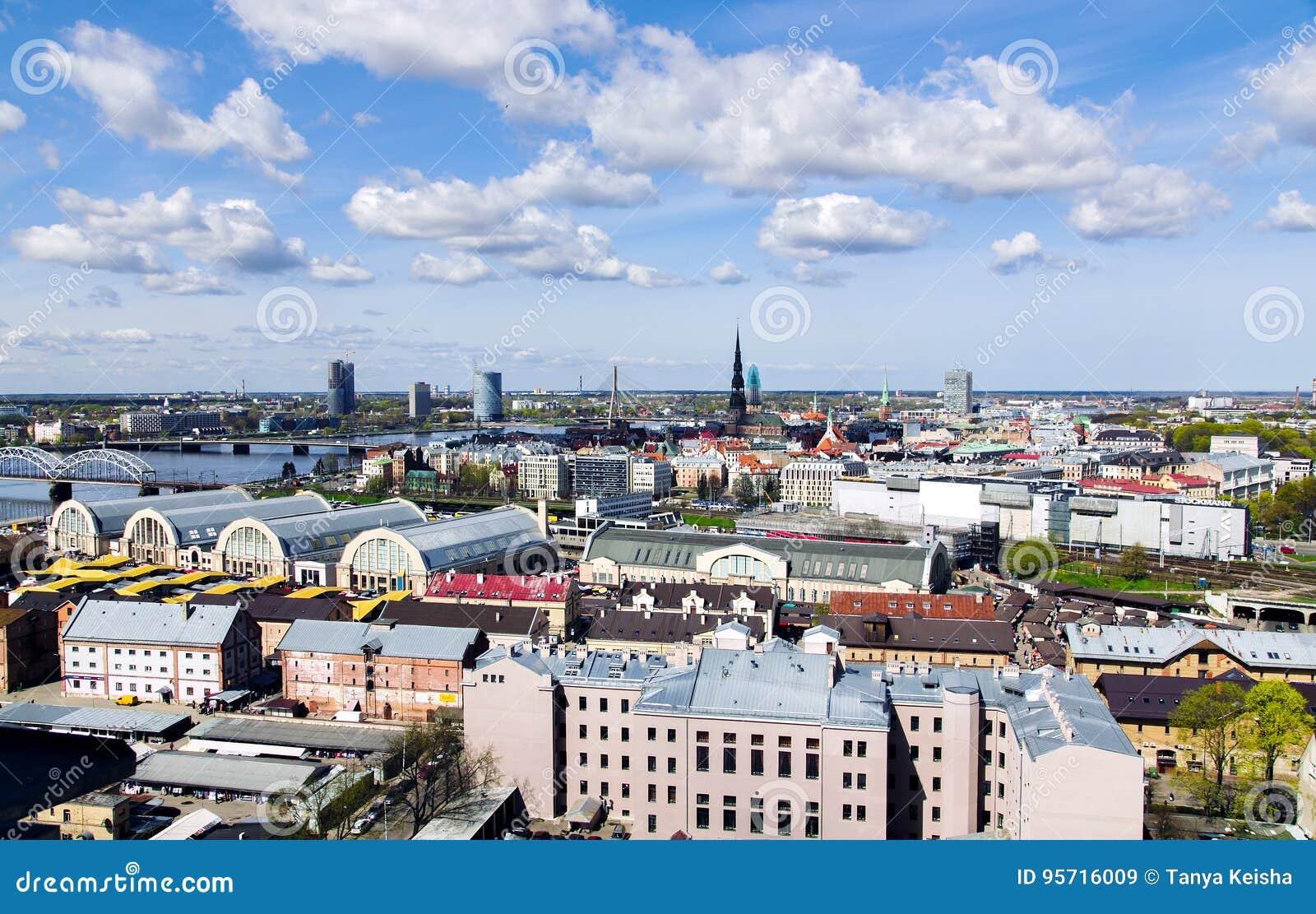 Panorama widok Ryski miasto, kapitał Latvia
