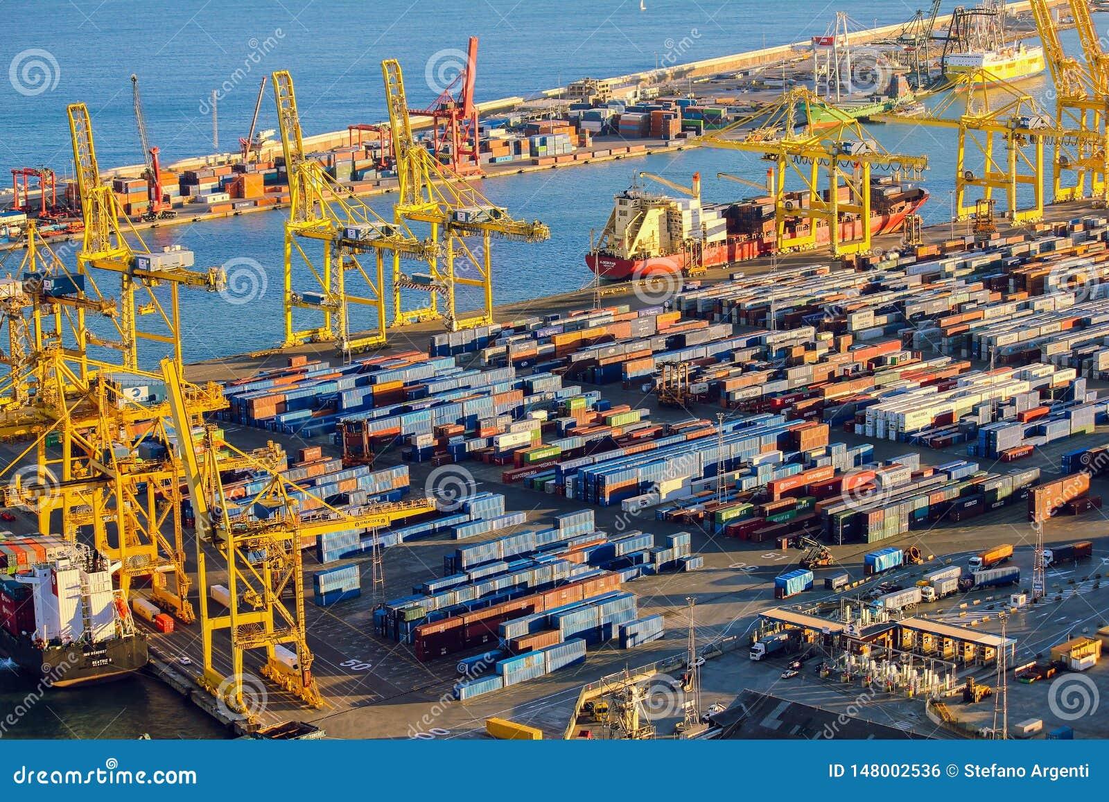 Panoramablick des Hafens in Barcelona