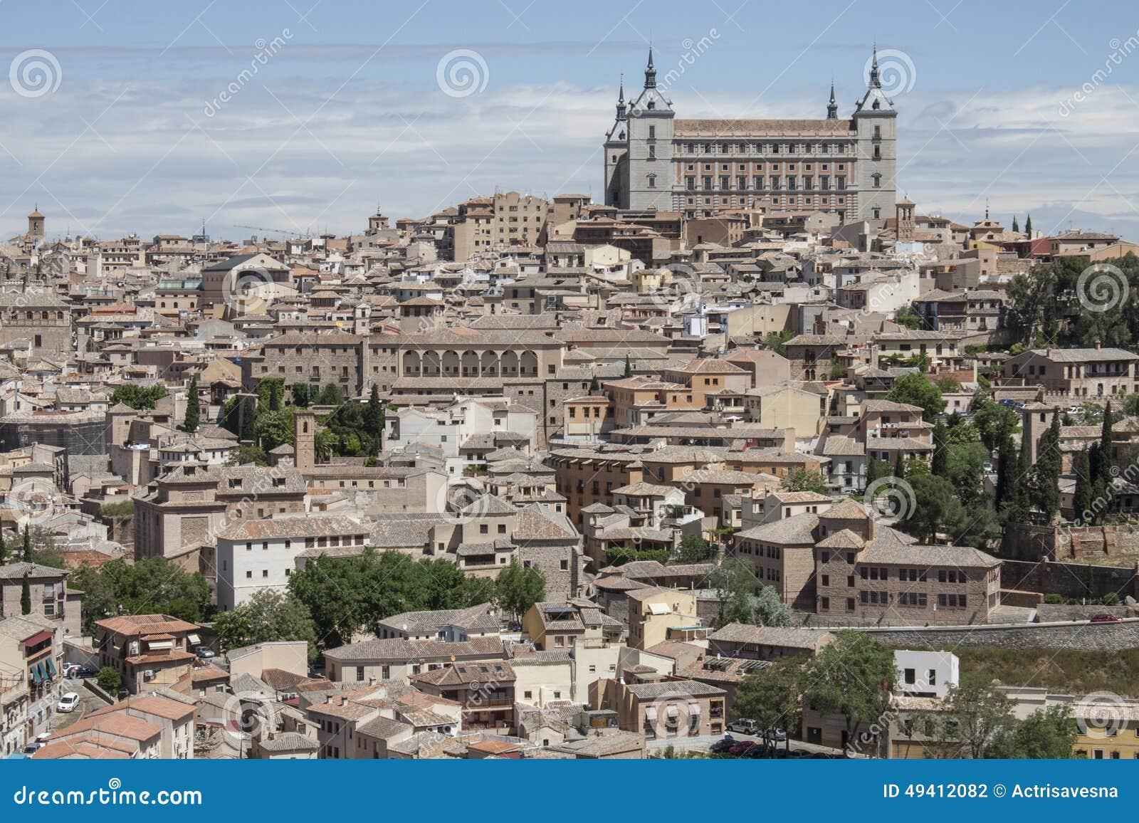 Download Panoramablick nach Toledo stockfoto. Bild von stadt, ansicht - 49412082