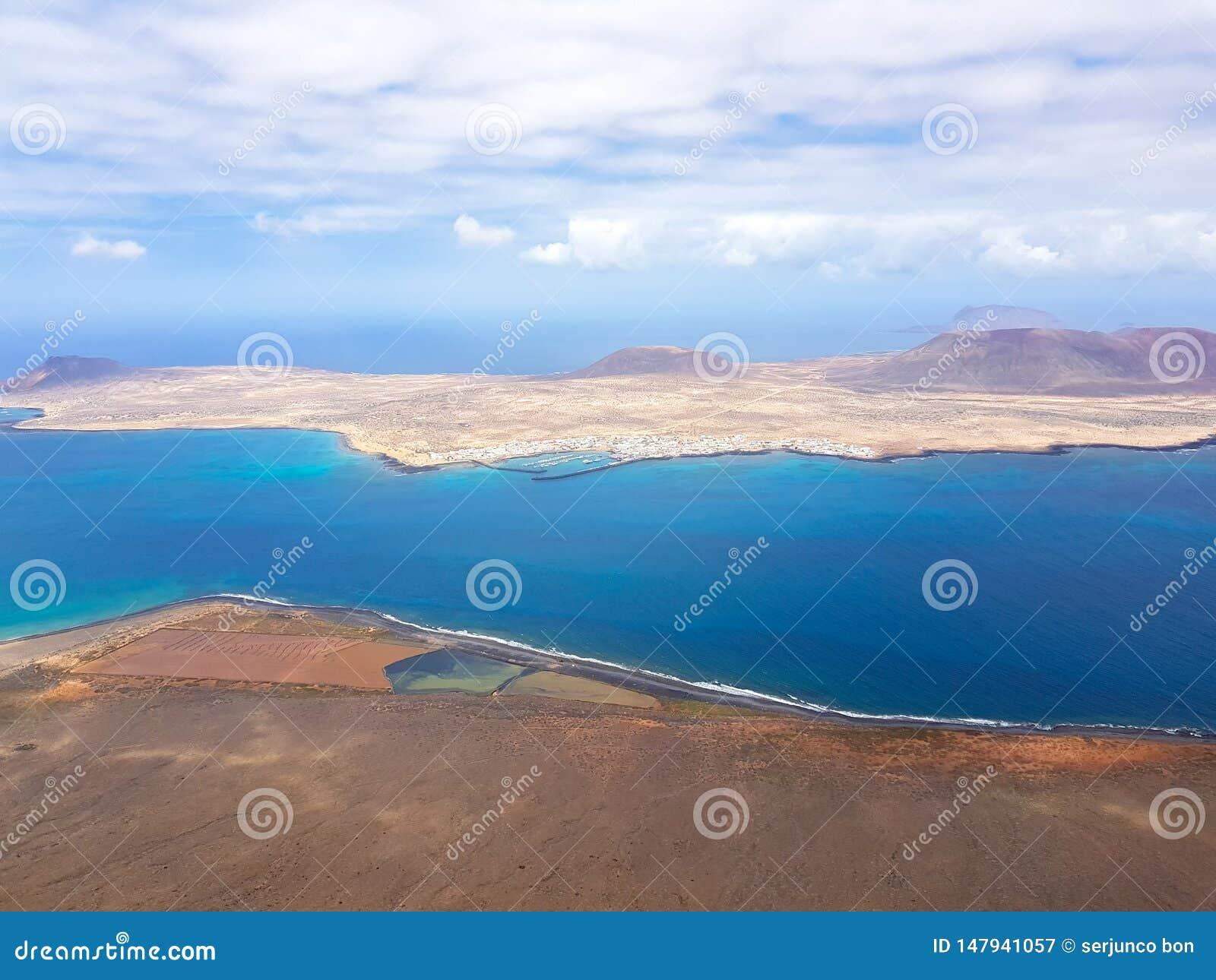 Panoramablick von Graciosa-Insel von Mirador-del Rio Lanzarote Kanarische Inseln spanien
