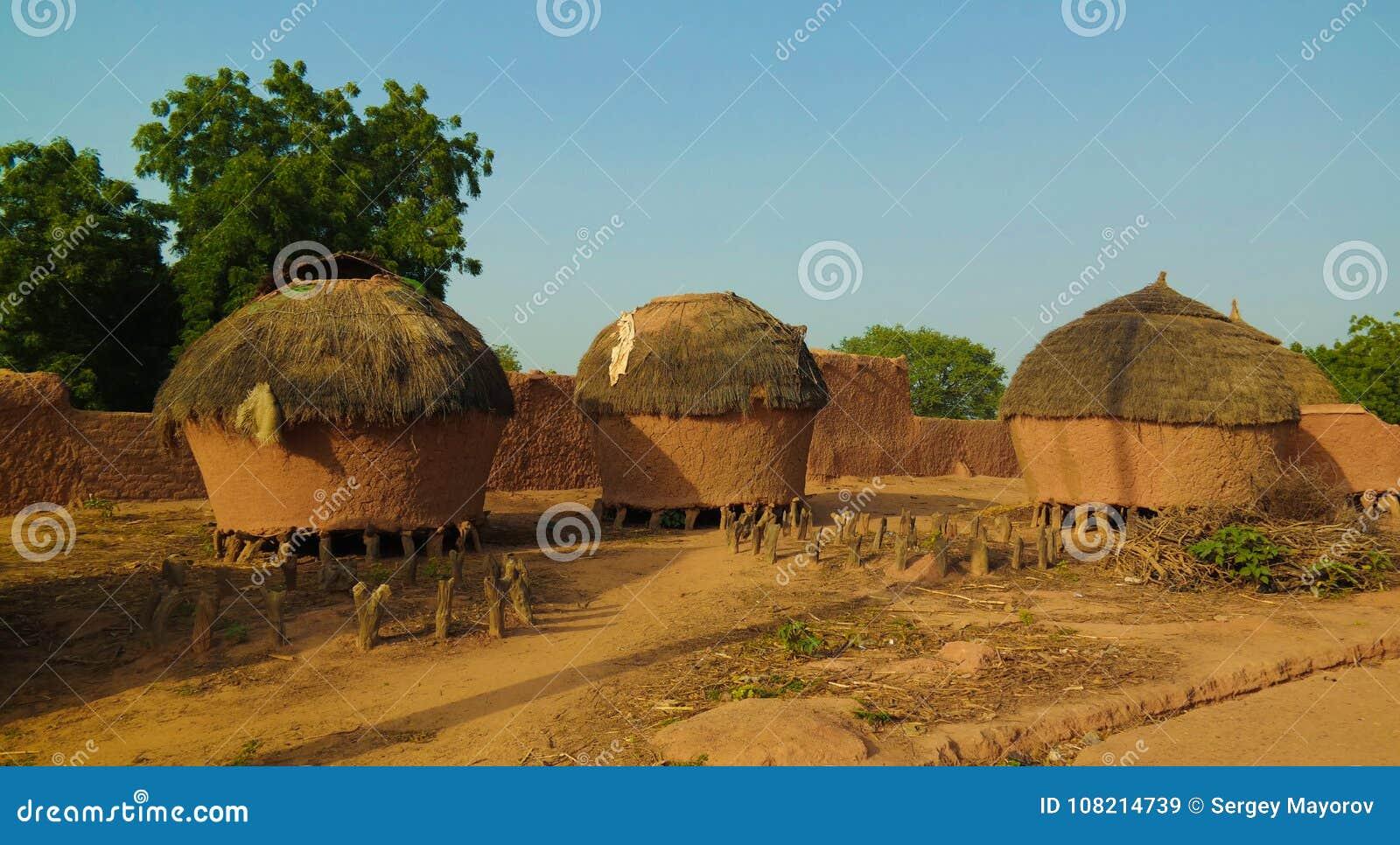 Panoramablick zu Bkonni-Dorf von Hausaleuten, Tahoua, Niger