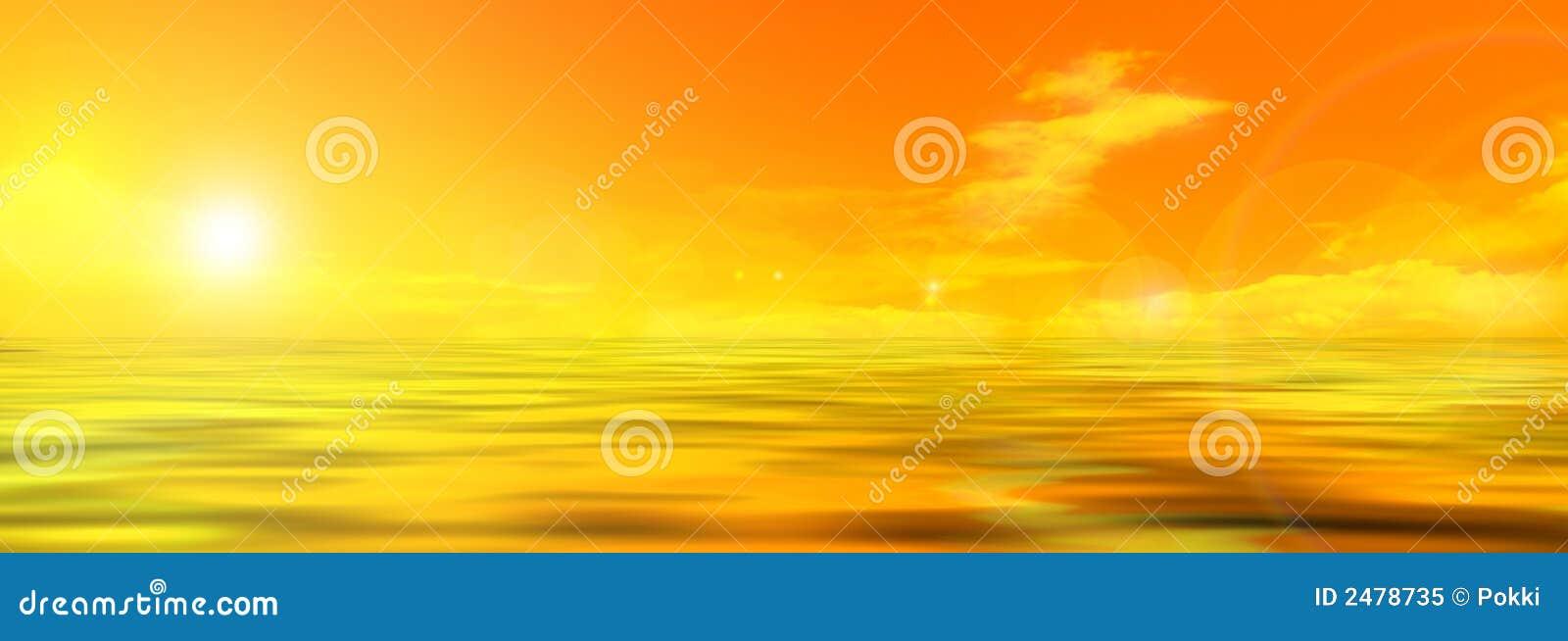 Panoramafoto des Himmels und des Meeres