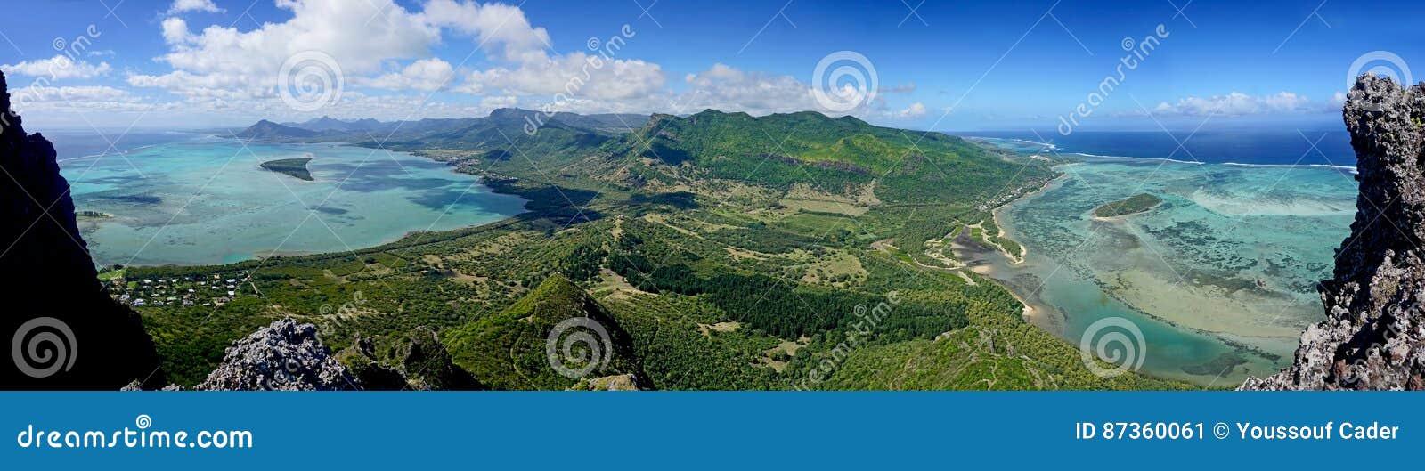 Panoramasikt från berget för Le Morne Brabant en UNESCOvärldsheri