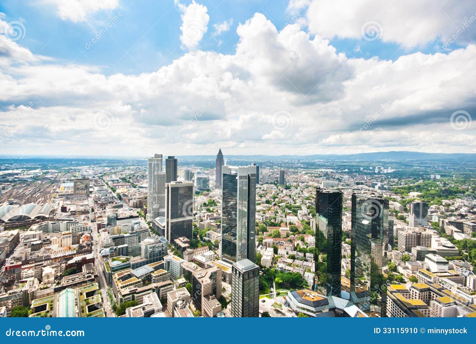 Panoramautsikt av Frankfurt - f.m. - strömförsörjning, Tyskland