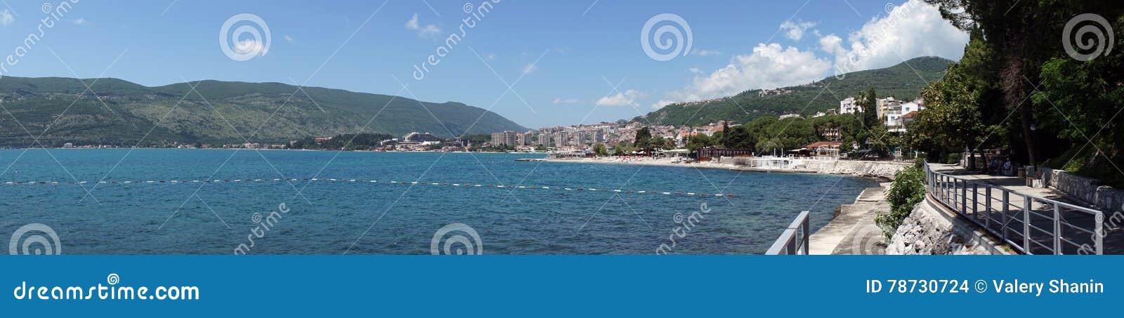 Panoramautsikt av havet i Herceg Novi