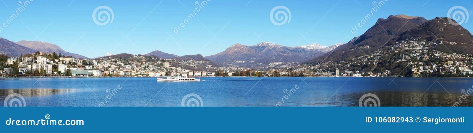 Panoramautsikt av sjön Lugano, Schweiz, Europa