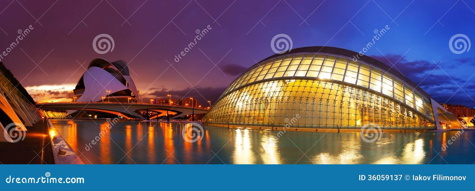 Panoramautsikt av staden av konster och vetenskaper   i Valecia Spanien