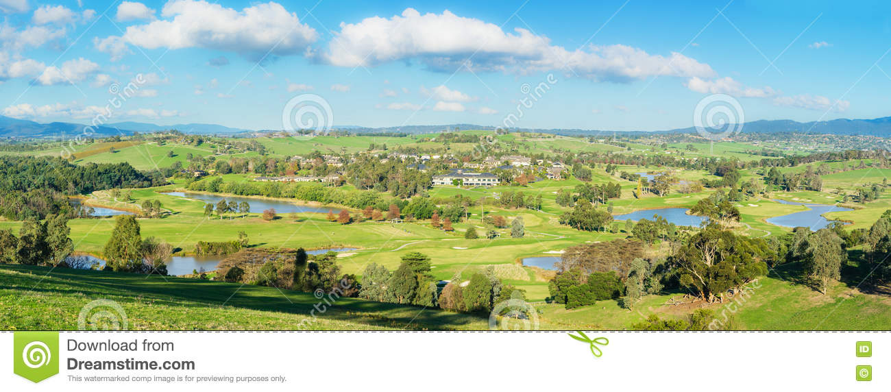 panoramic landscape view of yarra valley in melbourne