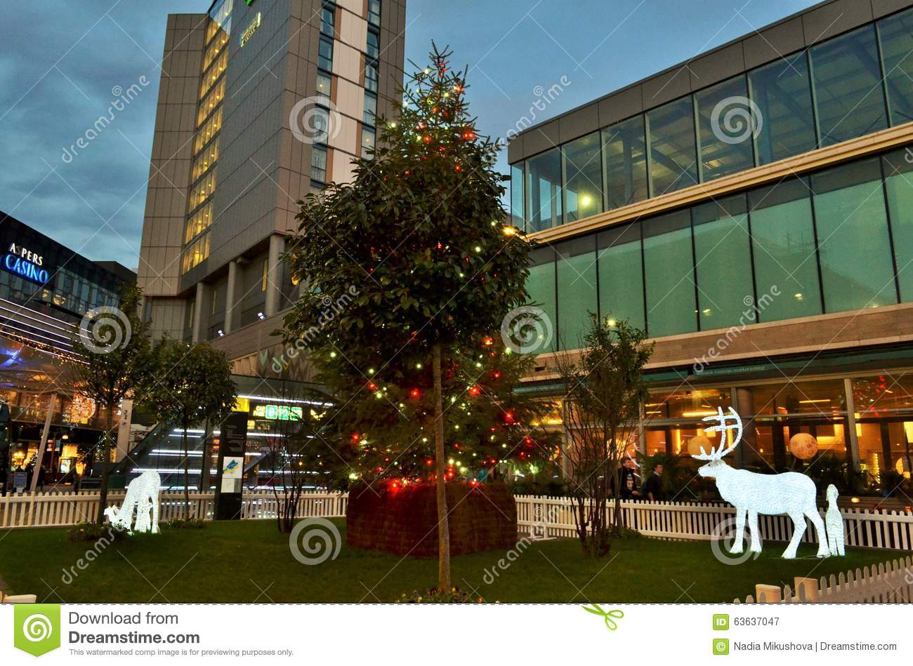 a panoramic view to the london stratford shopping centre westfield during christmas period by. Black Bedroom Furniture Sets. Home Design Ideas
