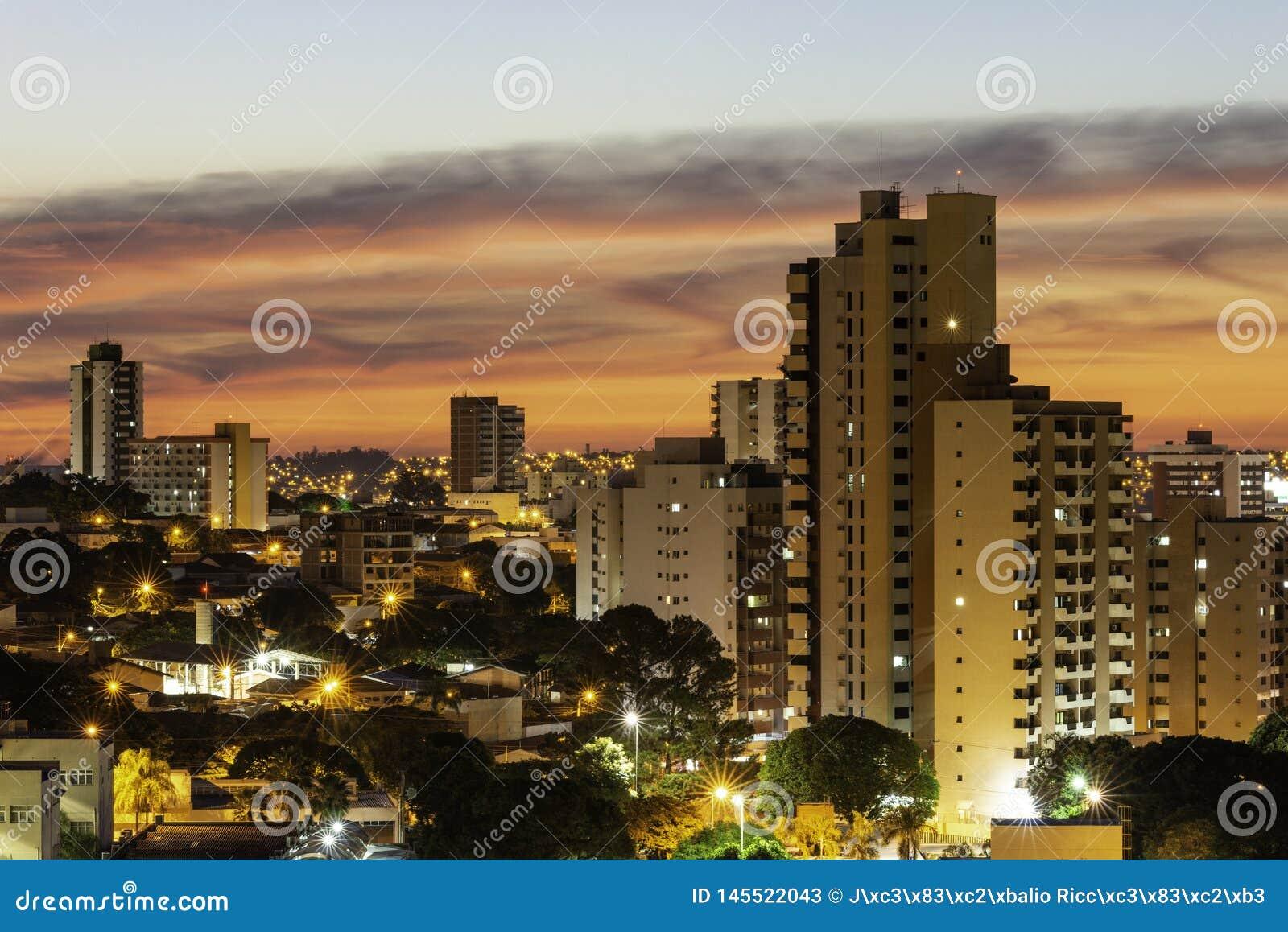 Bauru São Paulo fonte: thumbs.dreamstime.com
