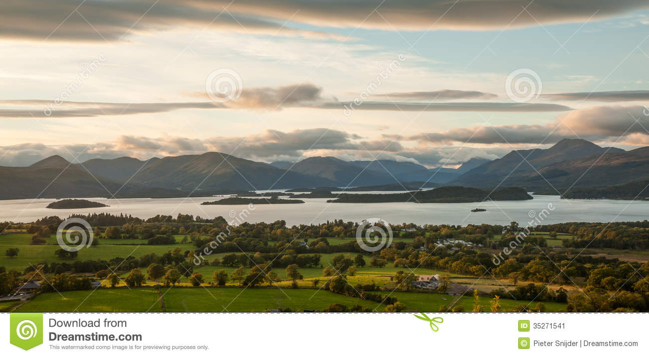 Panoramic view from Duncryne Hill over Loch Lomond