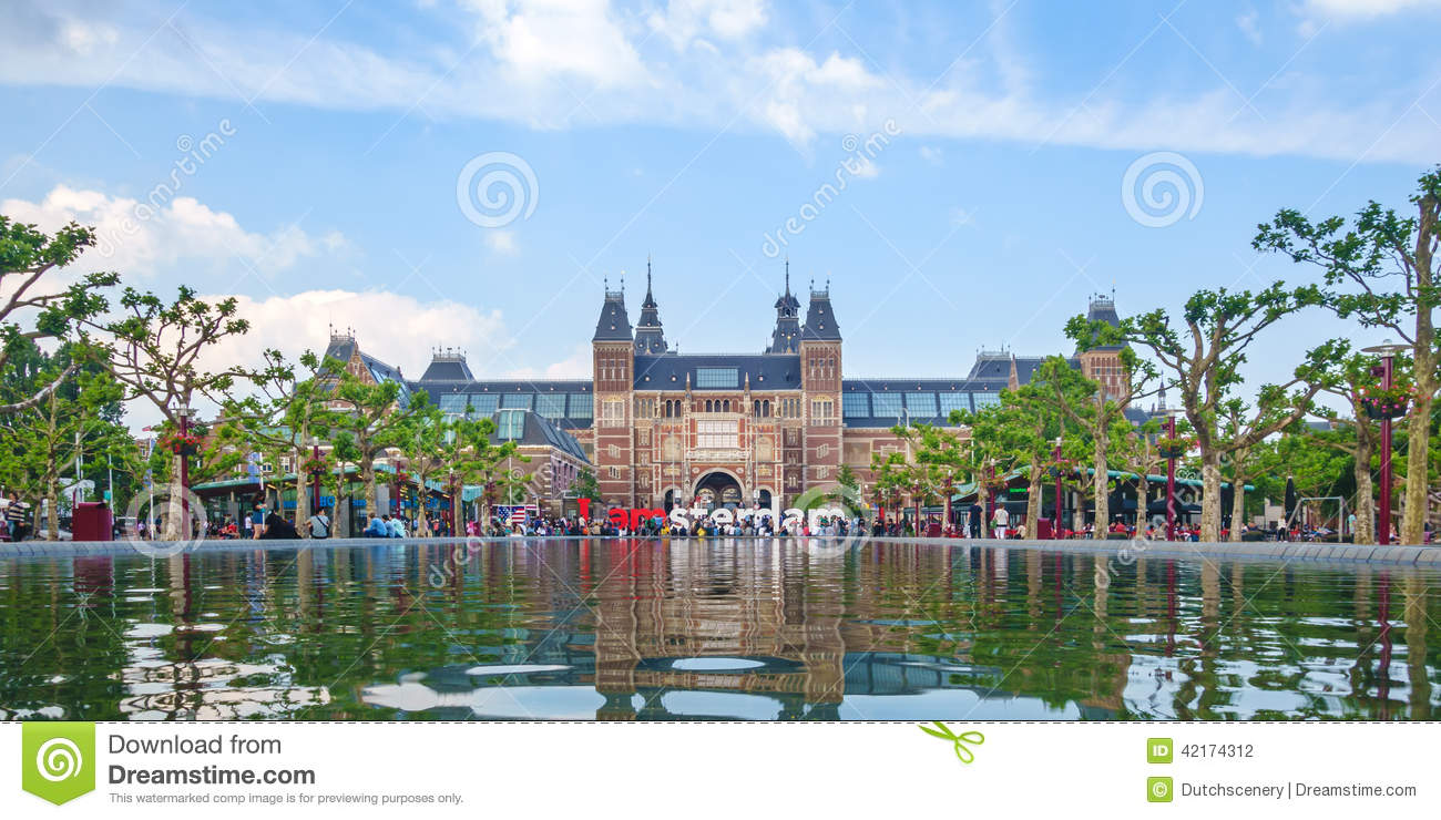 Panoramic view of the Rijksmuseum with the I Amsterdam sign in f