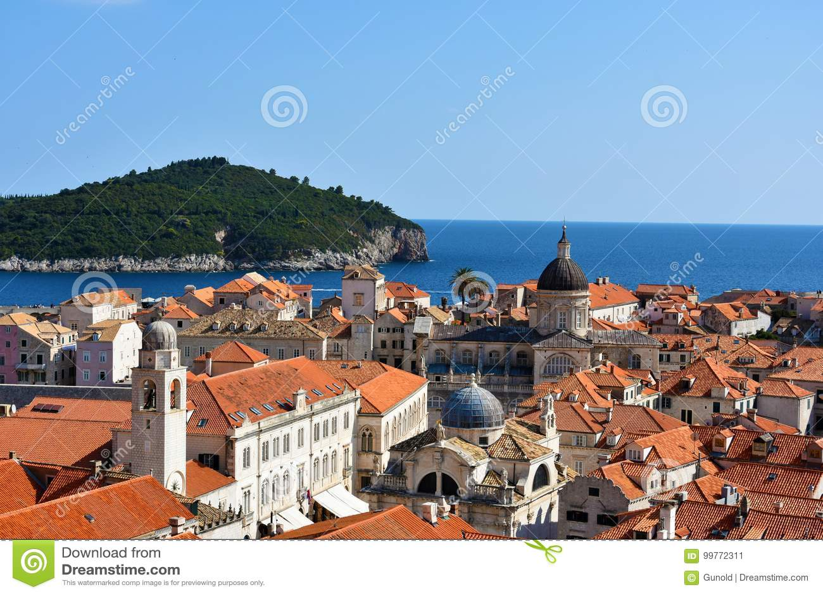 Panoramiczny widok Dubrovnik i Lokrum
