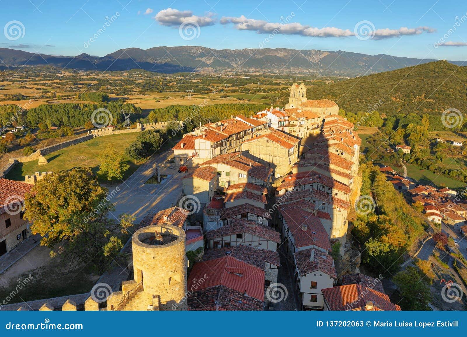 Panoramiczny widok Frias, Burgos, Hiszpania
