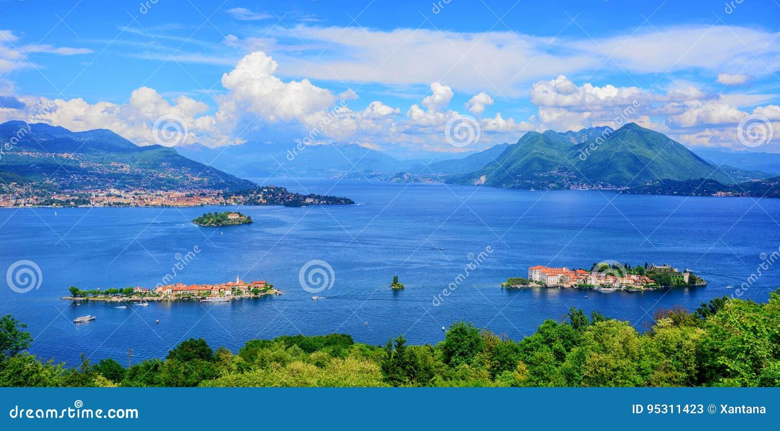 Panoramiczny widok Lago Maggiore jezioro, Włochy