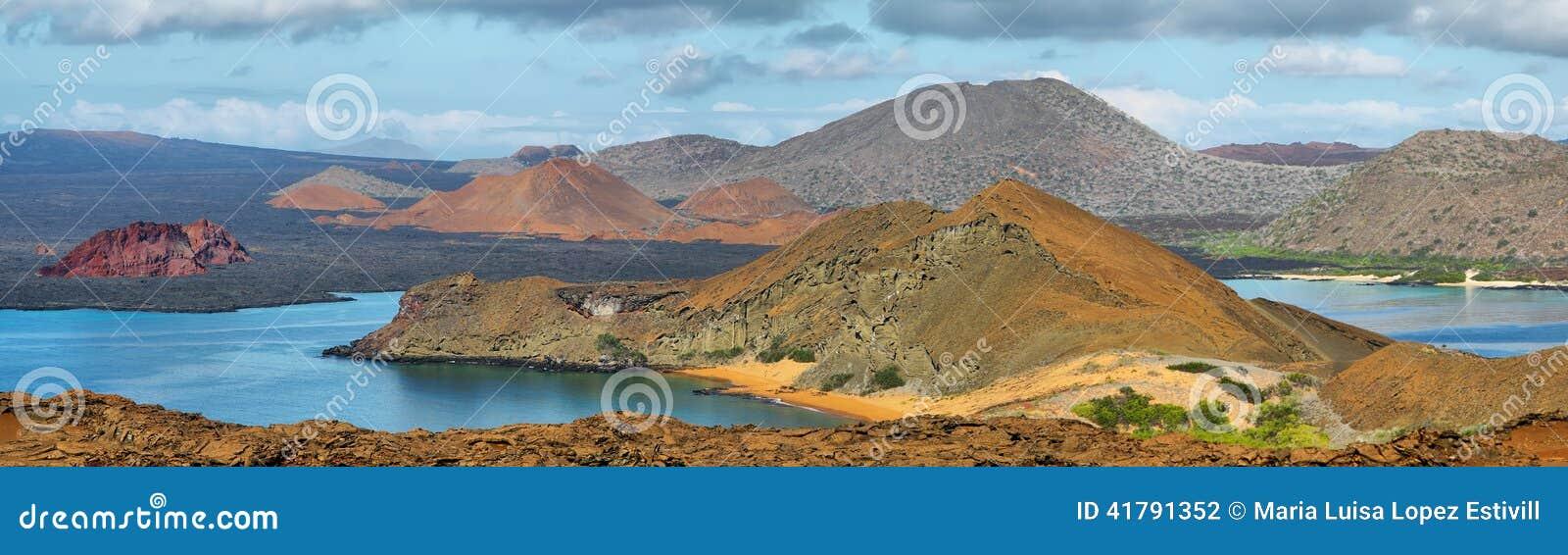 Panoramiczny widok pinakli otoczenia w Bartolome i skała