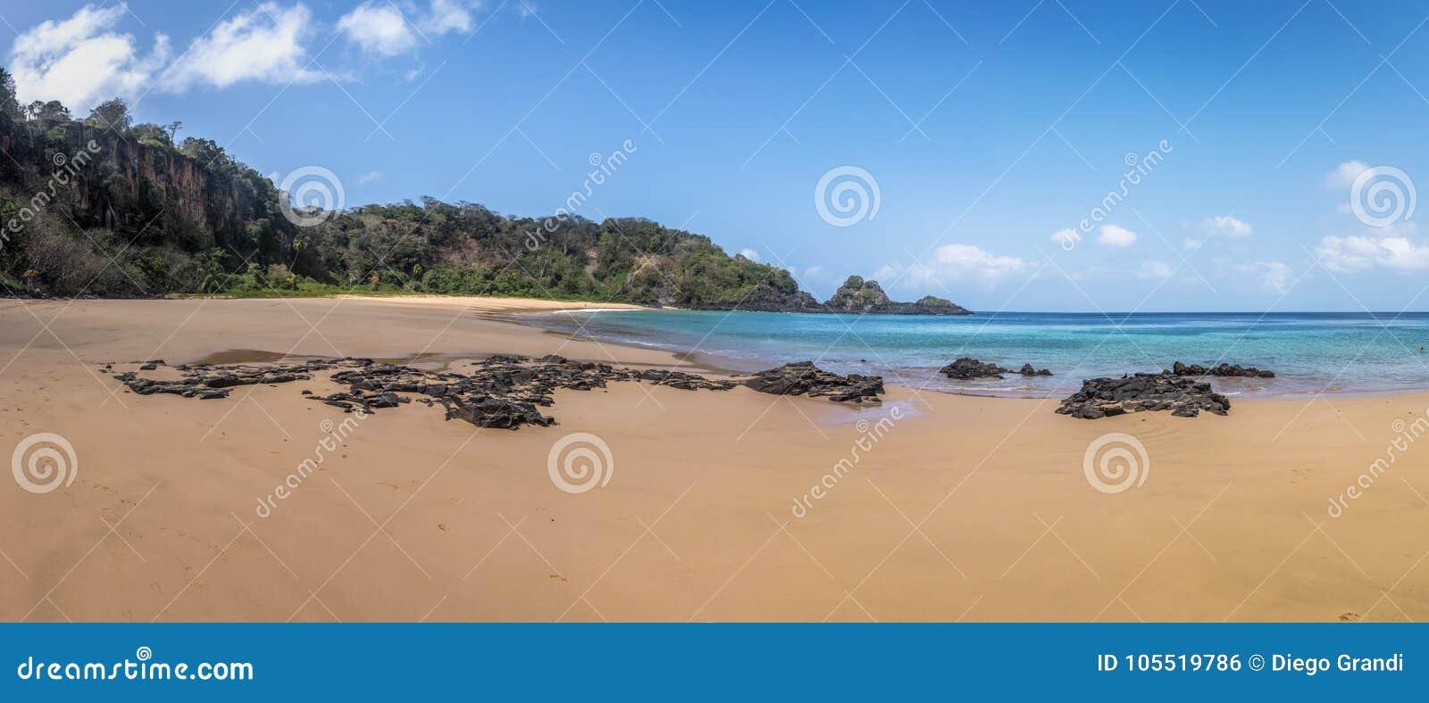 Panoramiczny widok Praia robi Sancho plaży - Fernando De Noronha, Pernambuco, Brazylia