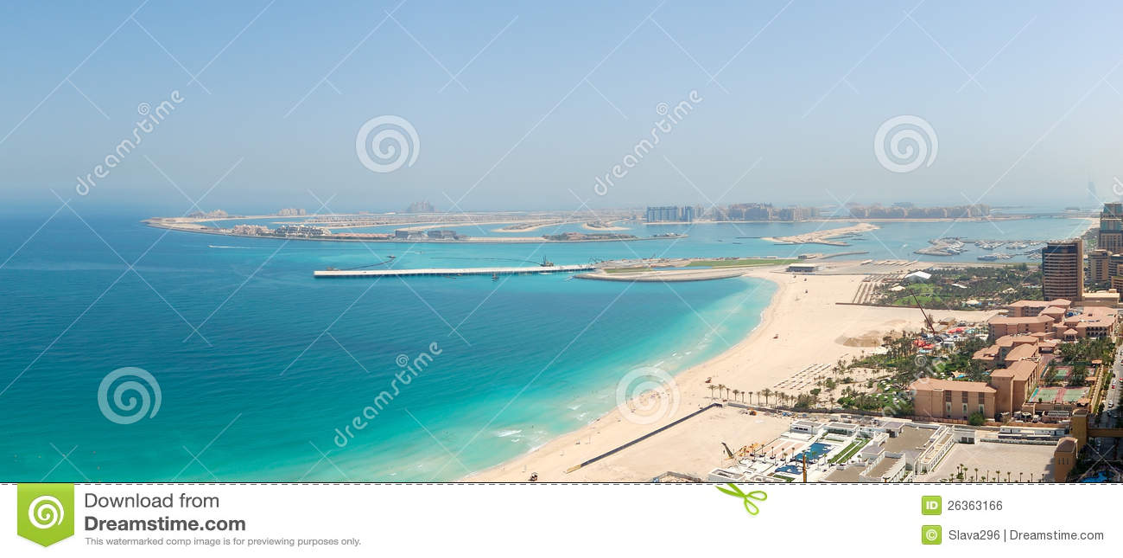 Panoramische Ansicht über synthetische Insel der Jumeirah Palme