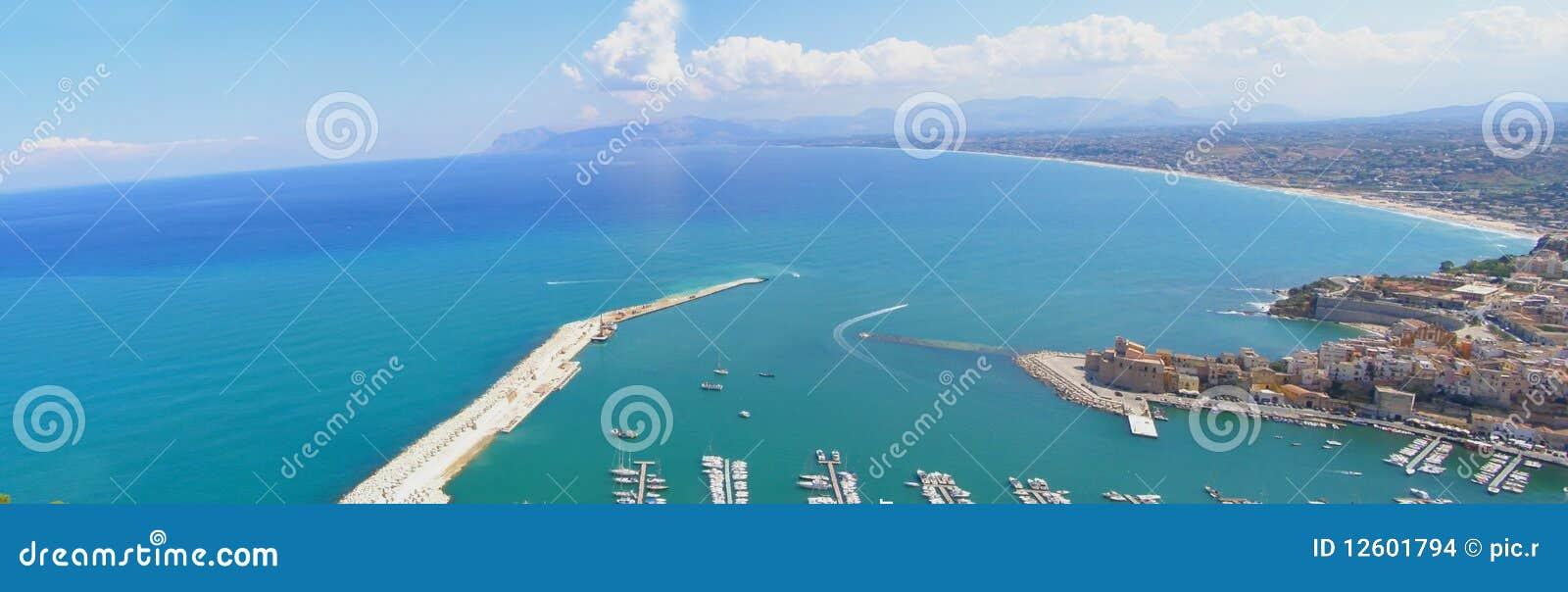Panoramy nadmorski miasteczko