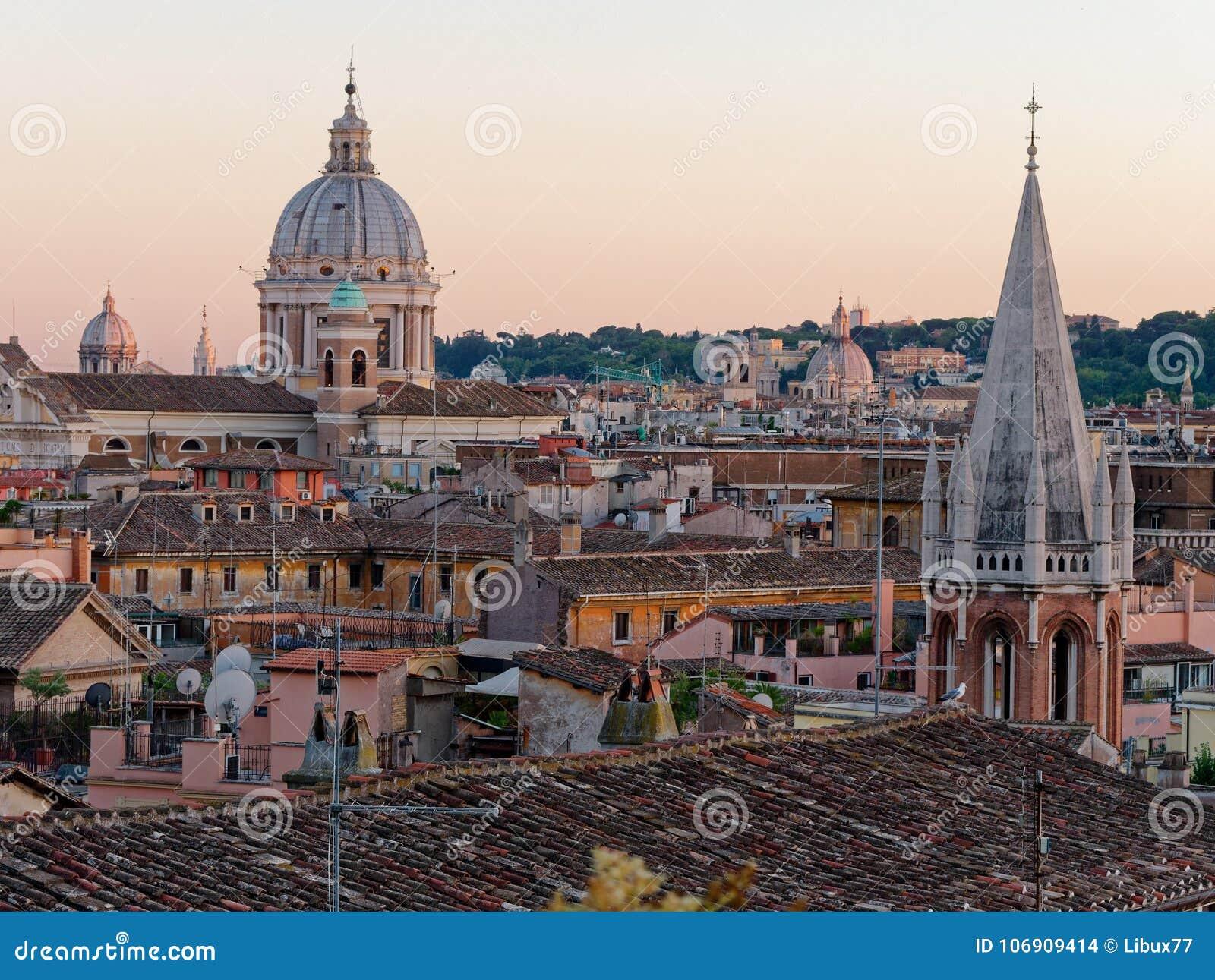 Panoramy Rzym San Carlo al corso kopuły dach