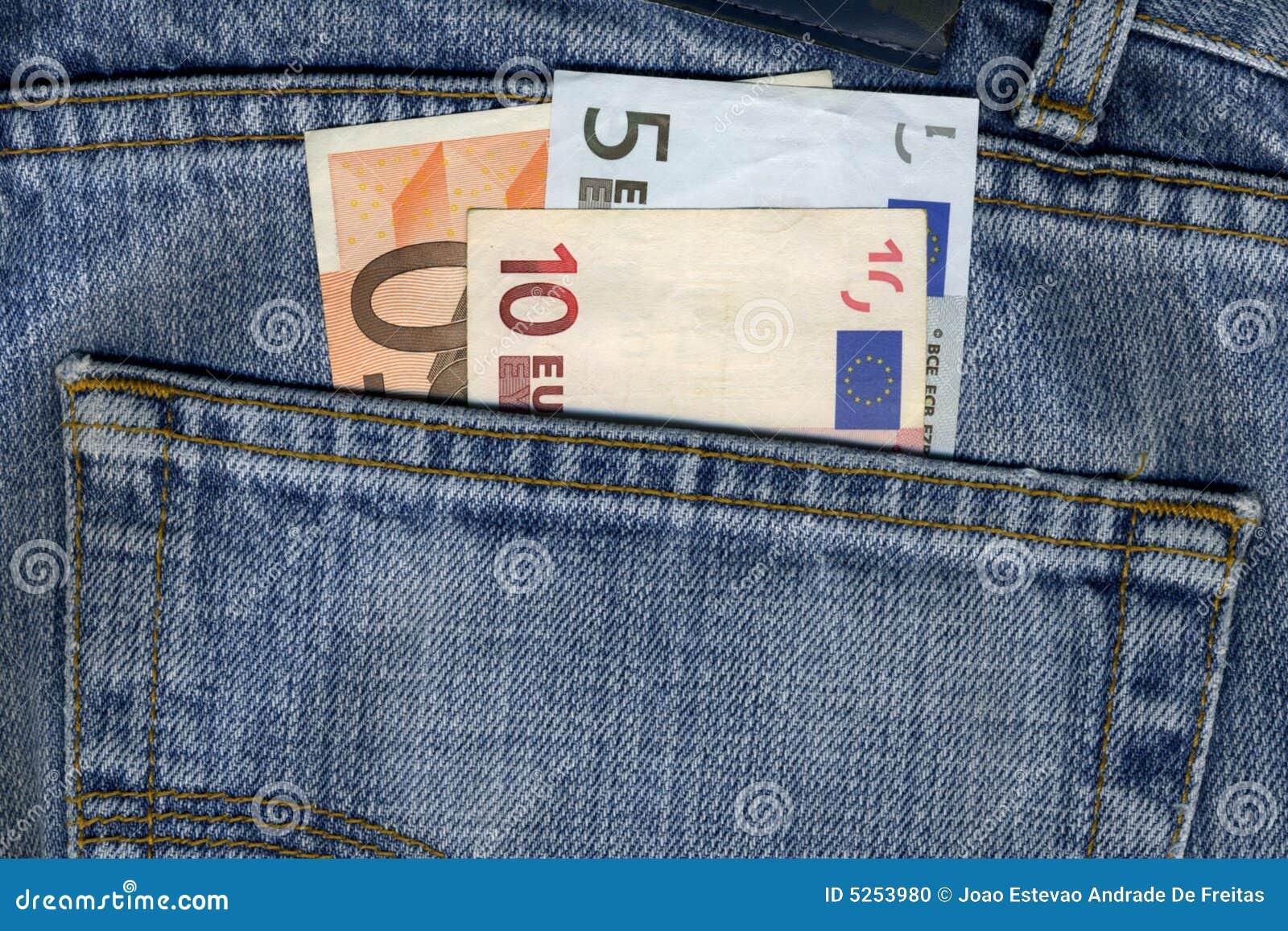 Pantalones con las notas de los euros