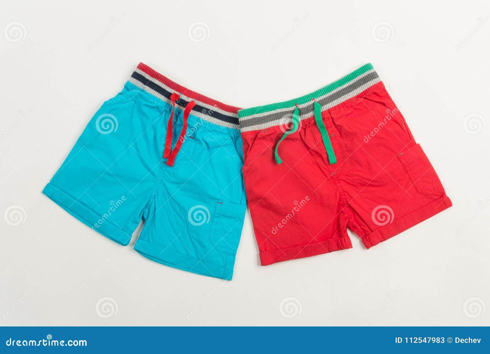 Pantalones Cortos Azules Y Rojos Para Nadar Para Los Hombres O Los Ninos Imagen De Archivo Imagen De Azules Nadar 112547983