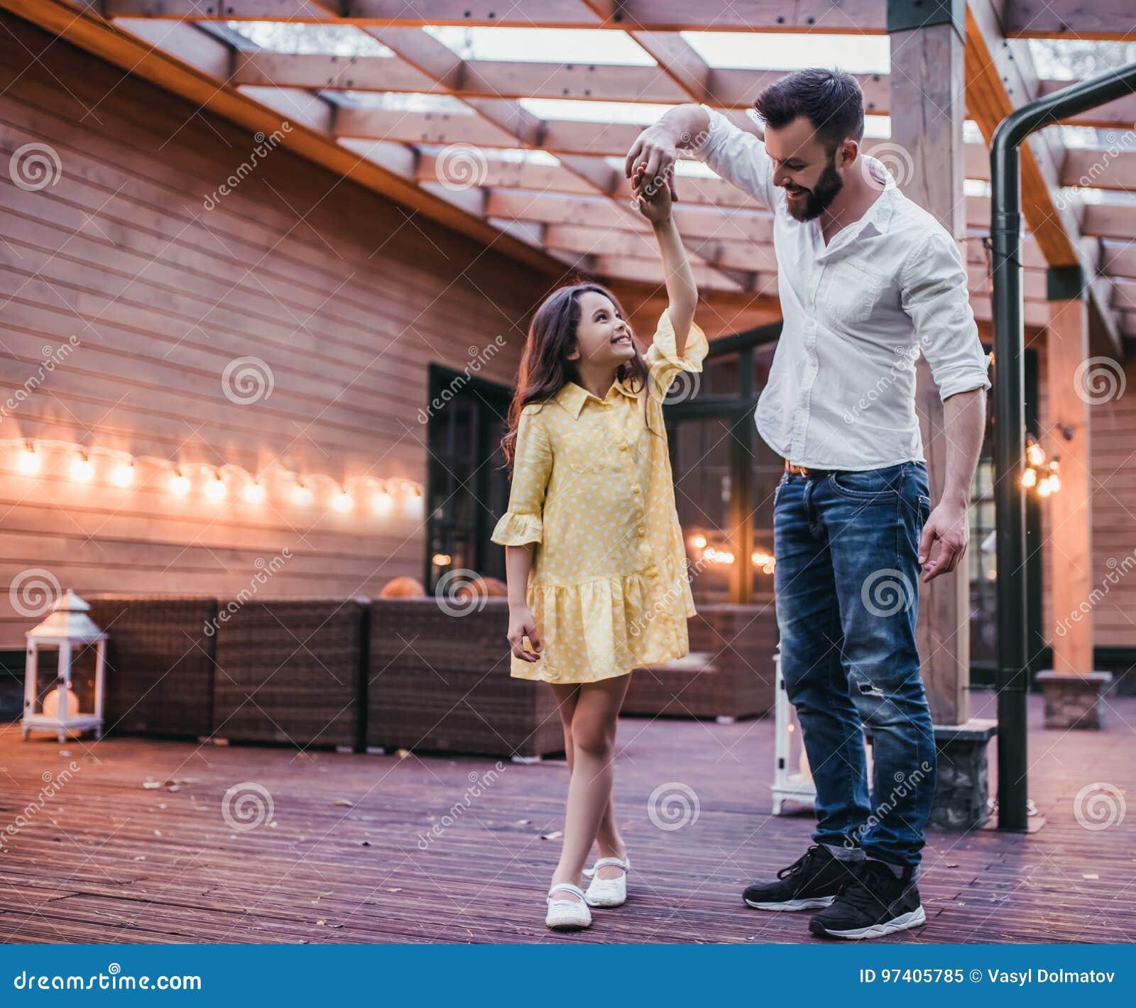 Papa avec la fille