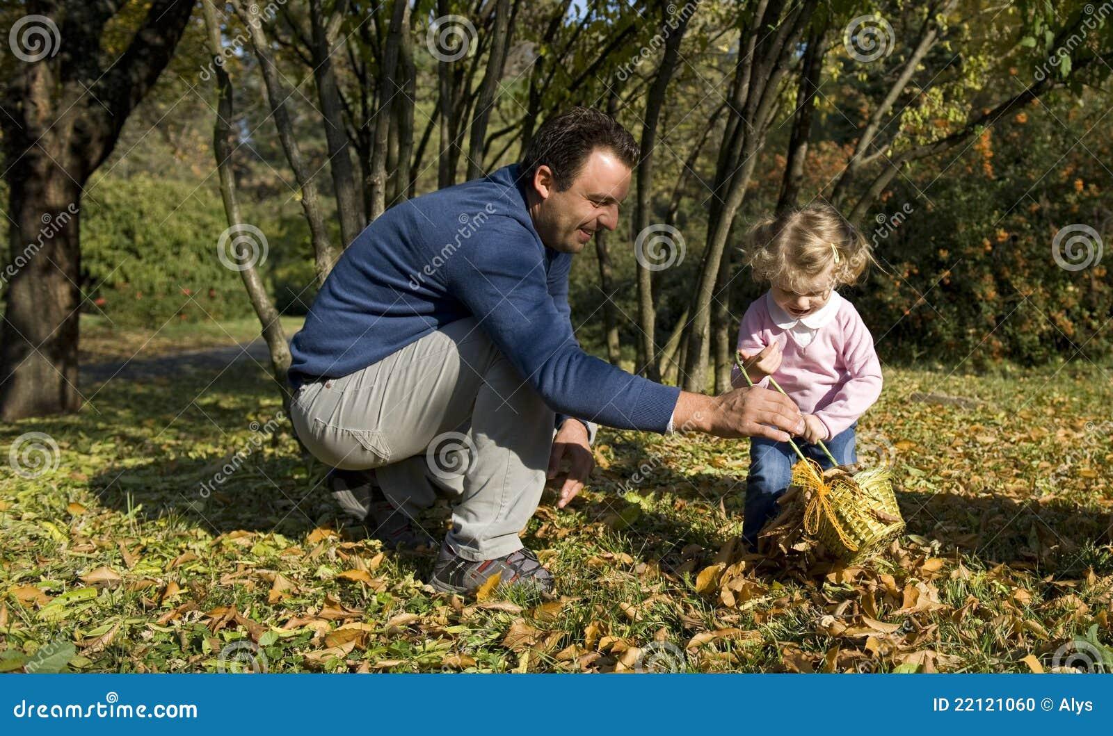 Papa et descendant heureux