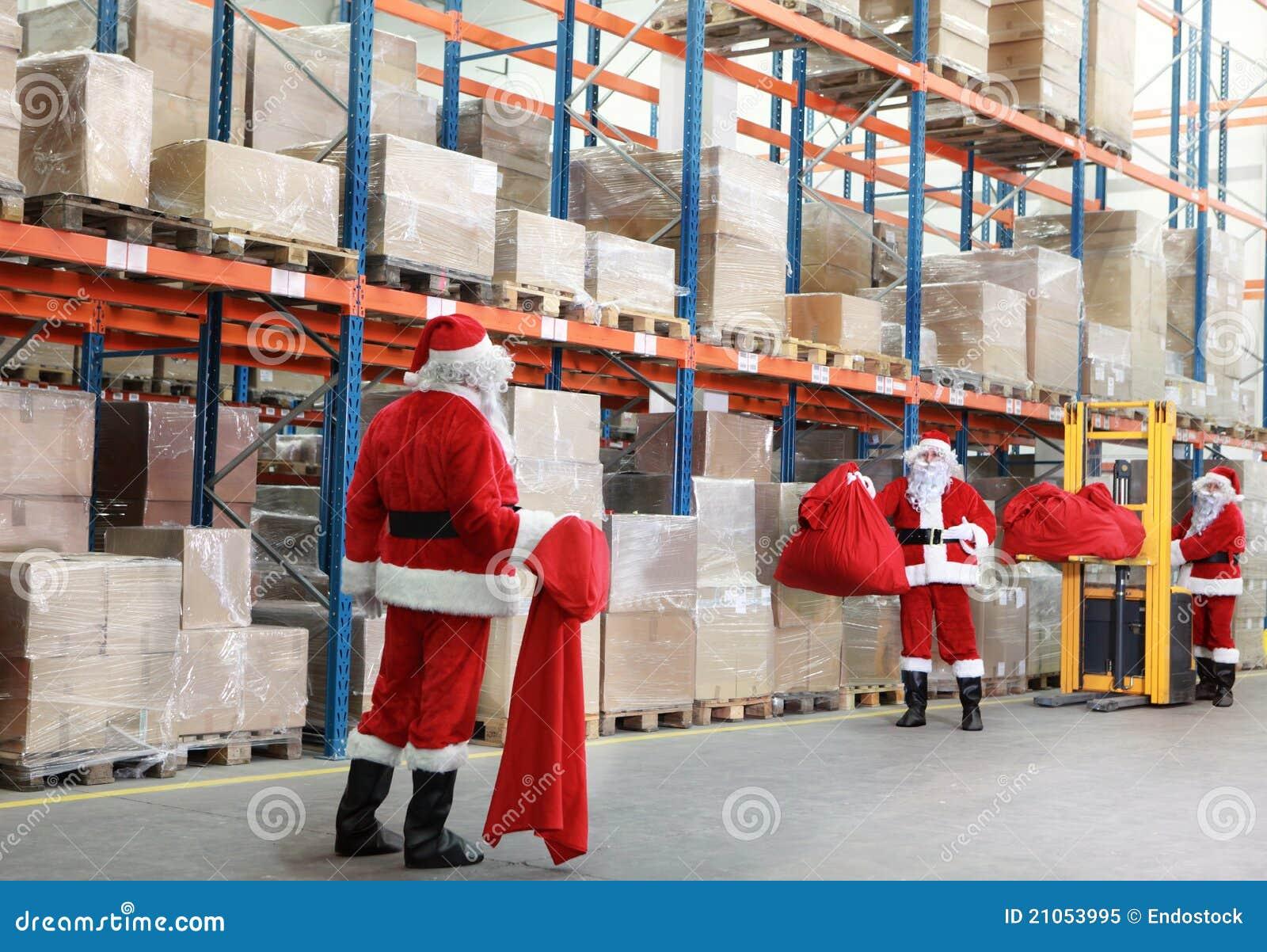 Papai Noel que prepara-se para o Natal