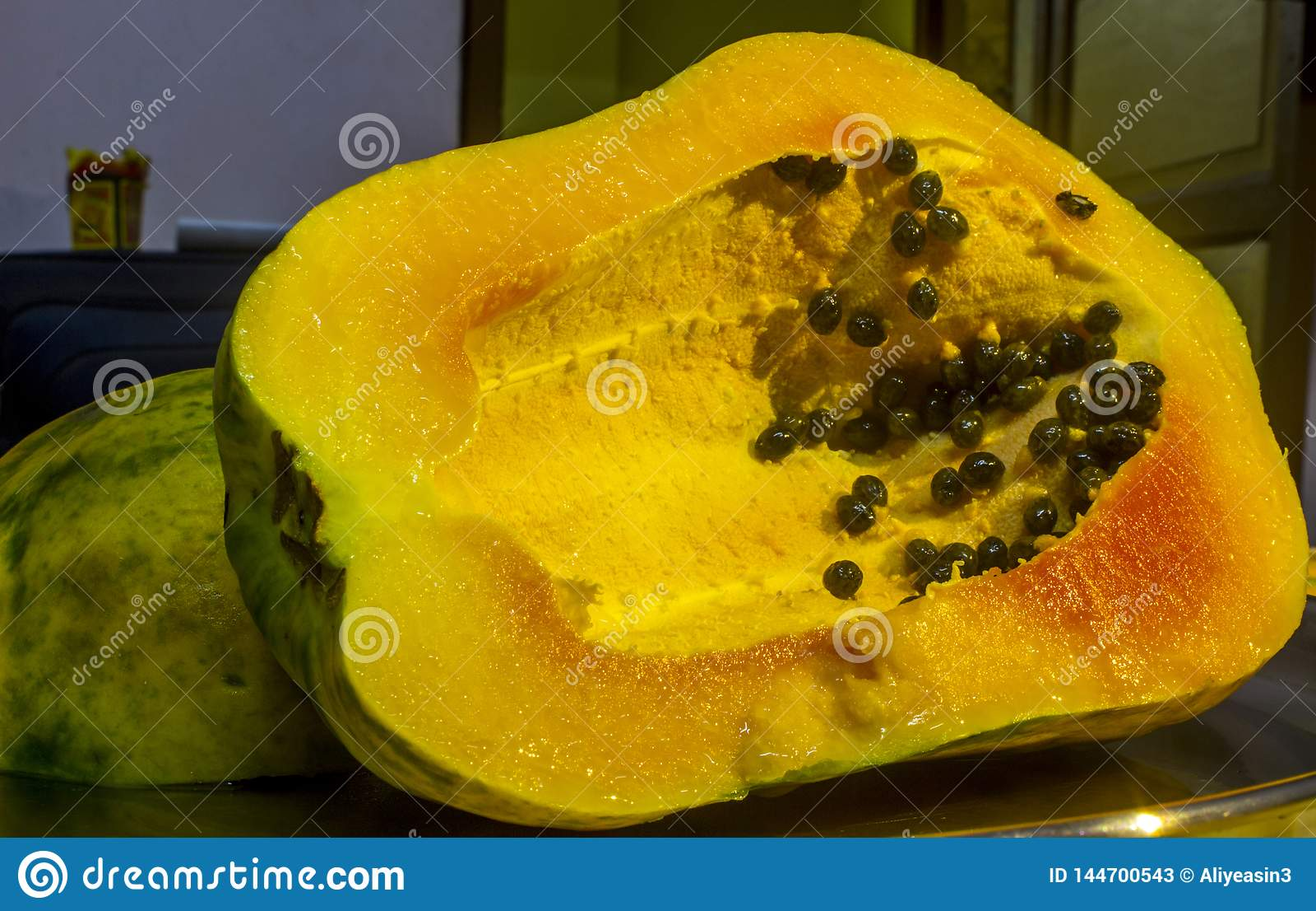 Papaya and seeds